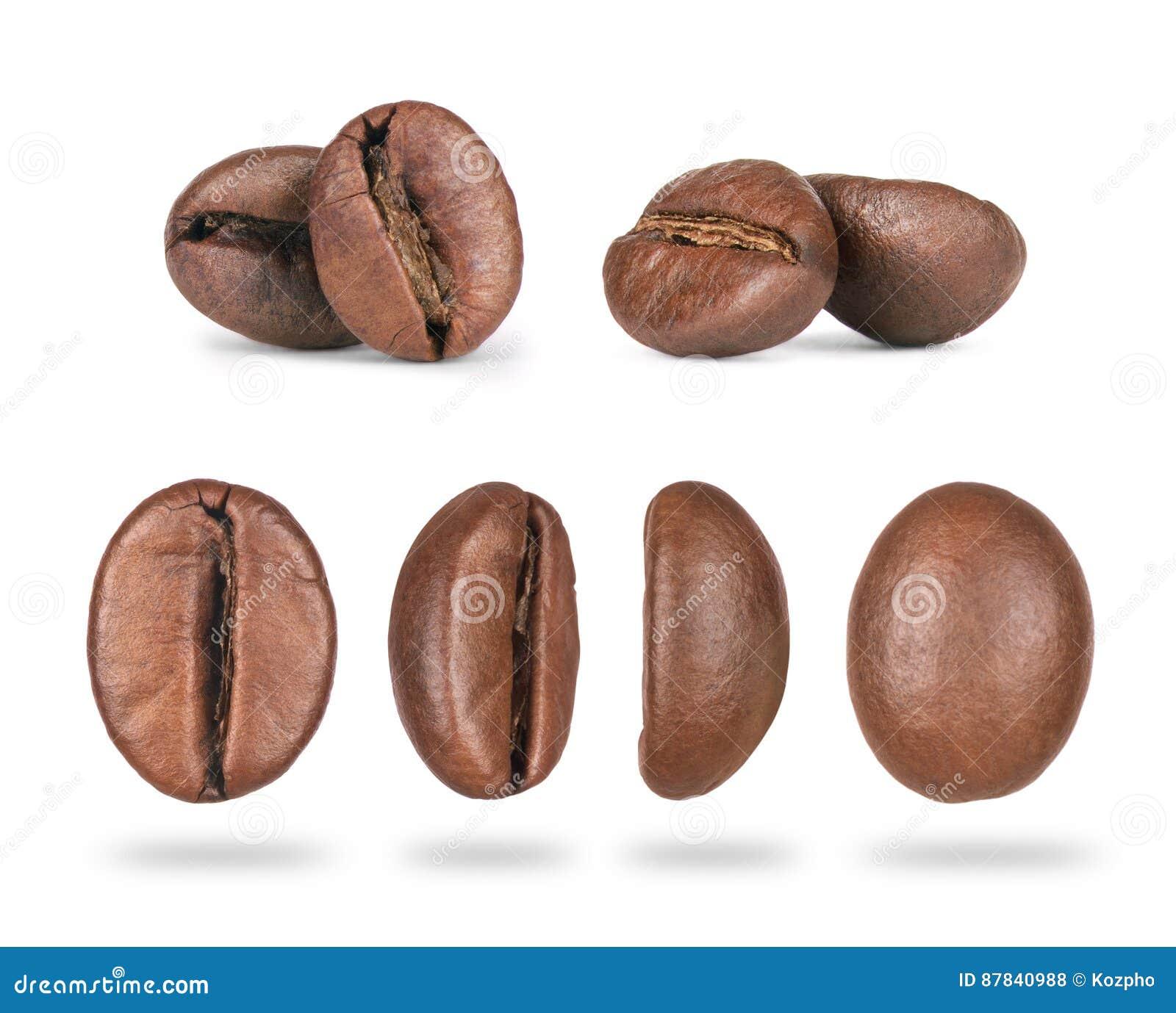Insieme del primo piano dei chicchi di caffè nelle posizioni differenti