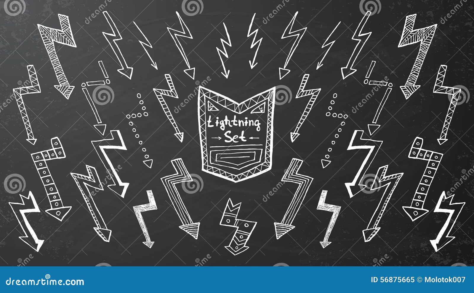 Insieme di fulmine disegnato a mano su fondo nero