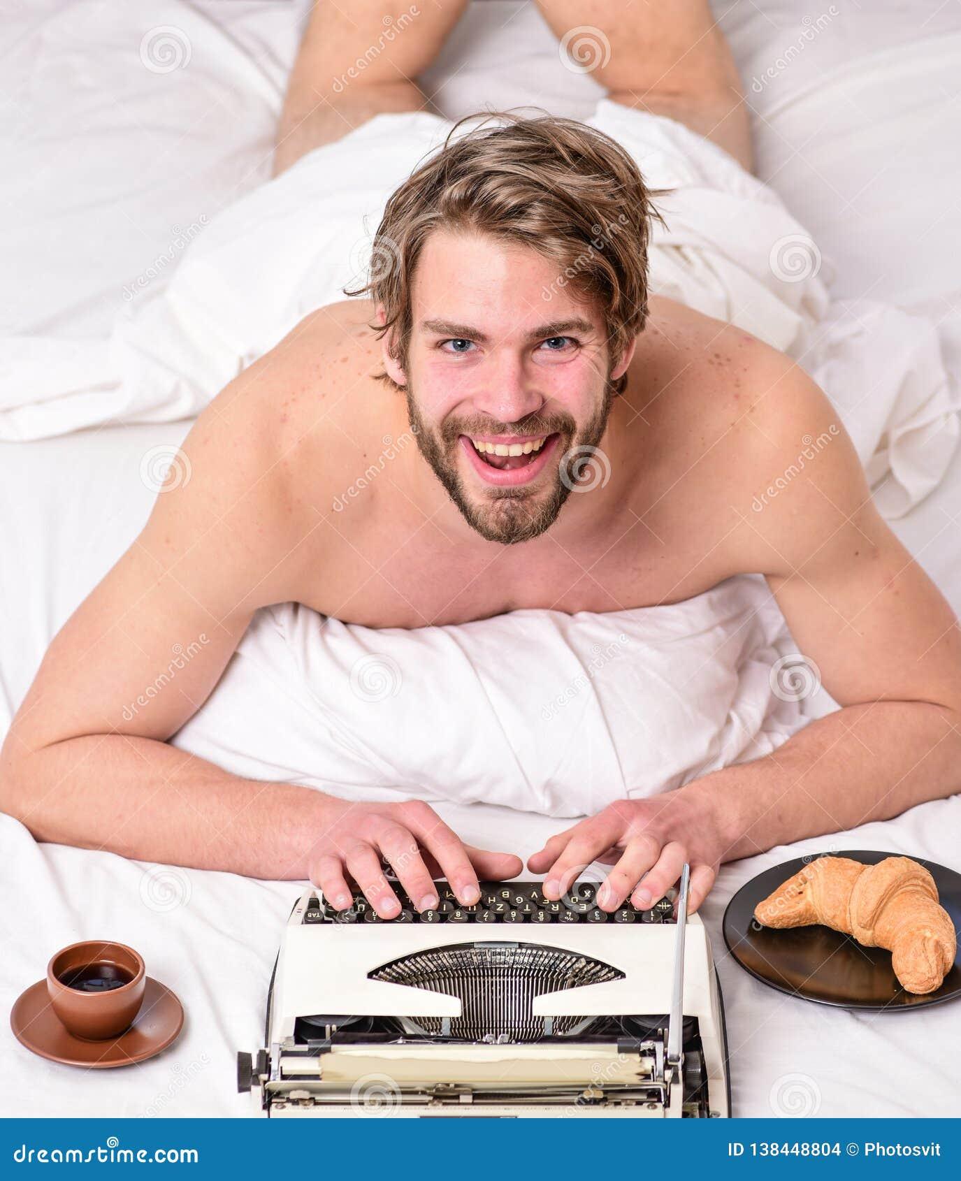 Inspiración de la mañana Literatura erótica Rutina diaria del escritor El autor hermoso del escritor utilizó el manual pasado de