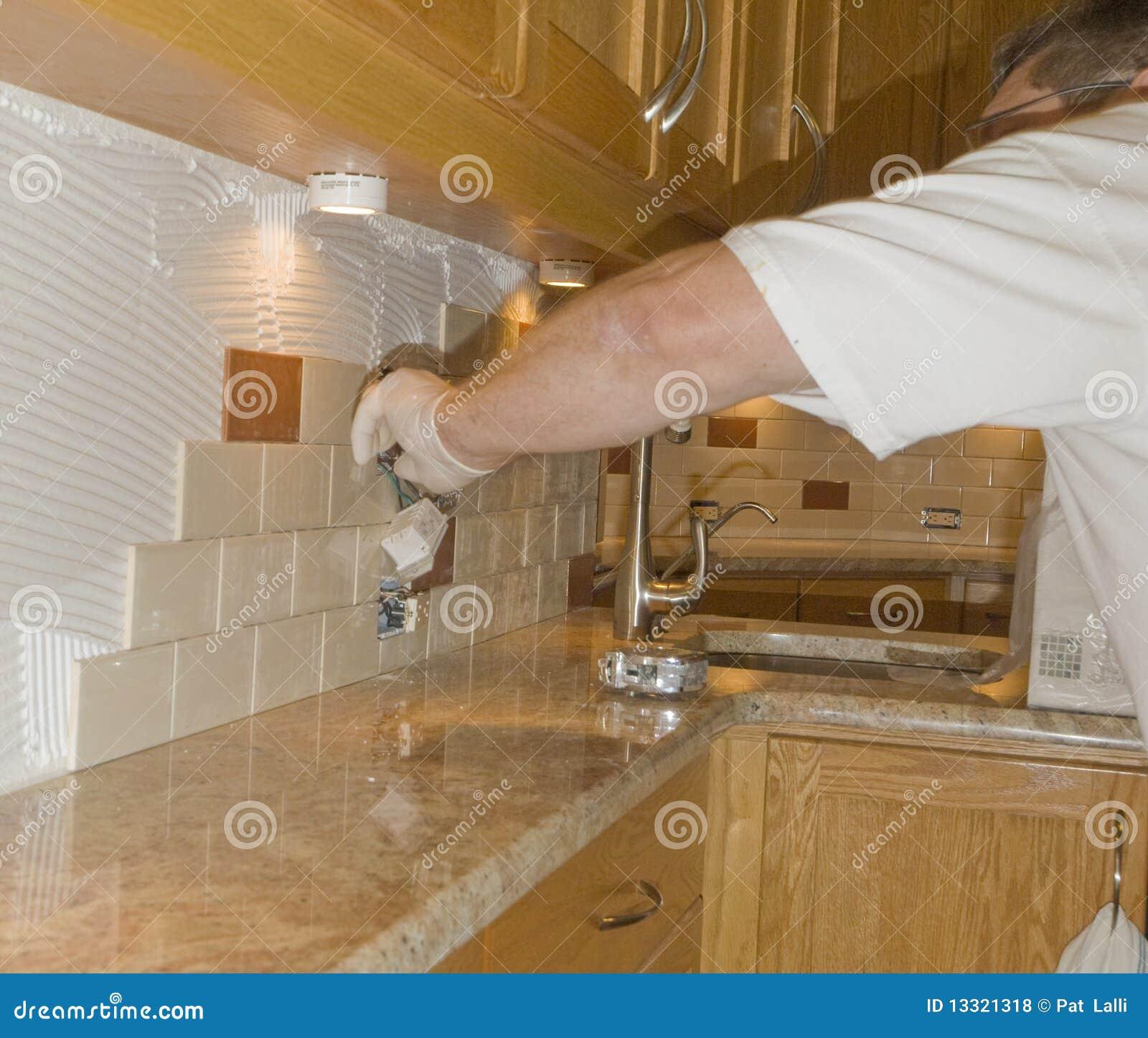 #85A824 Instalação Da Telha Cerâmica No Backsplash 12 Da Cozinha Fotos de  1300x1192 px Projetos Da Instalação Da Cozinha_401 Imagens