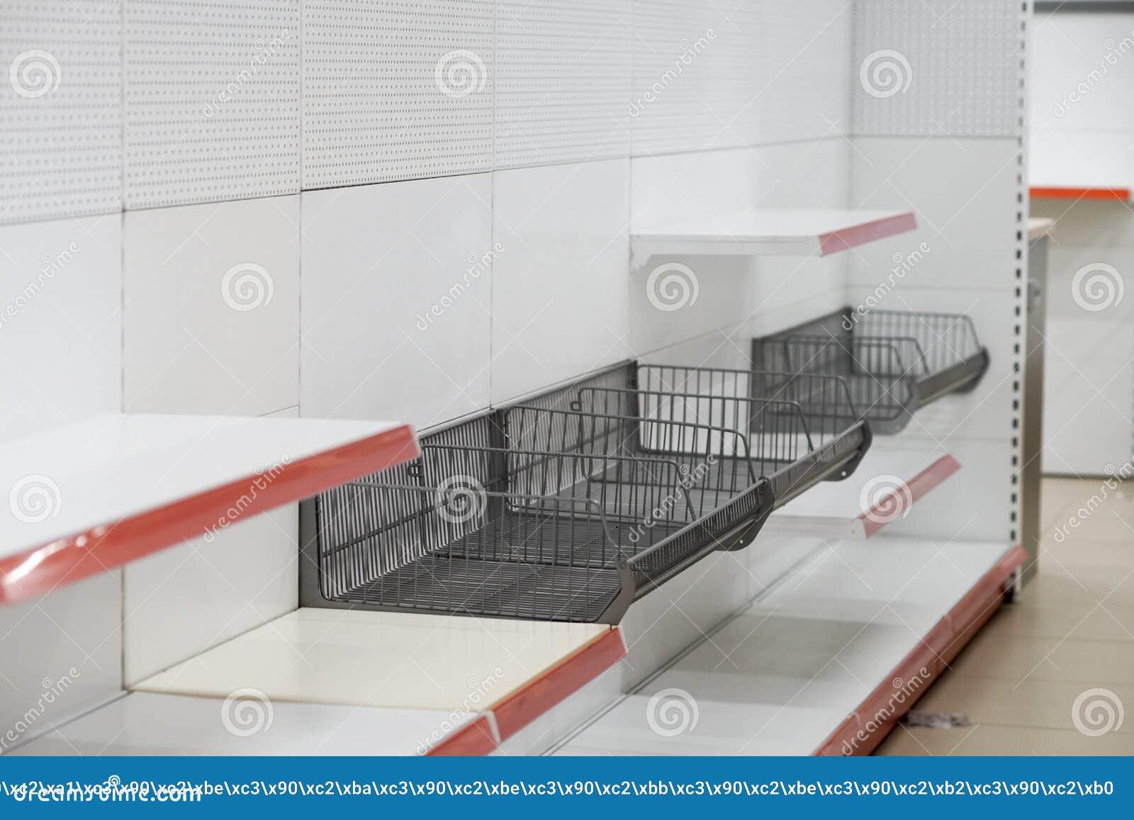 A instalação do equipamento, do conjunto e da desmontagem comerciais