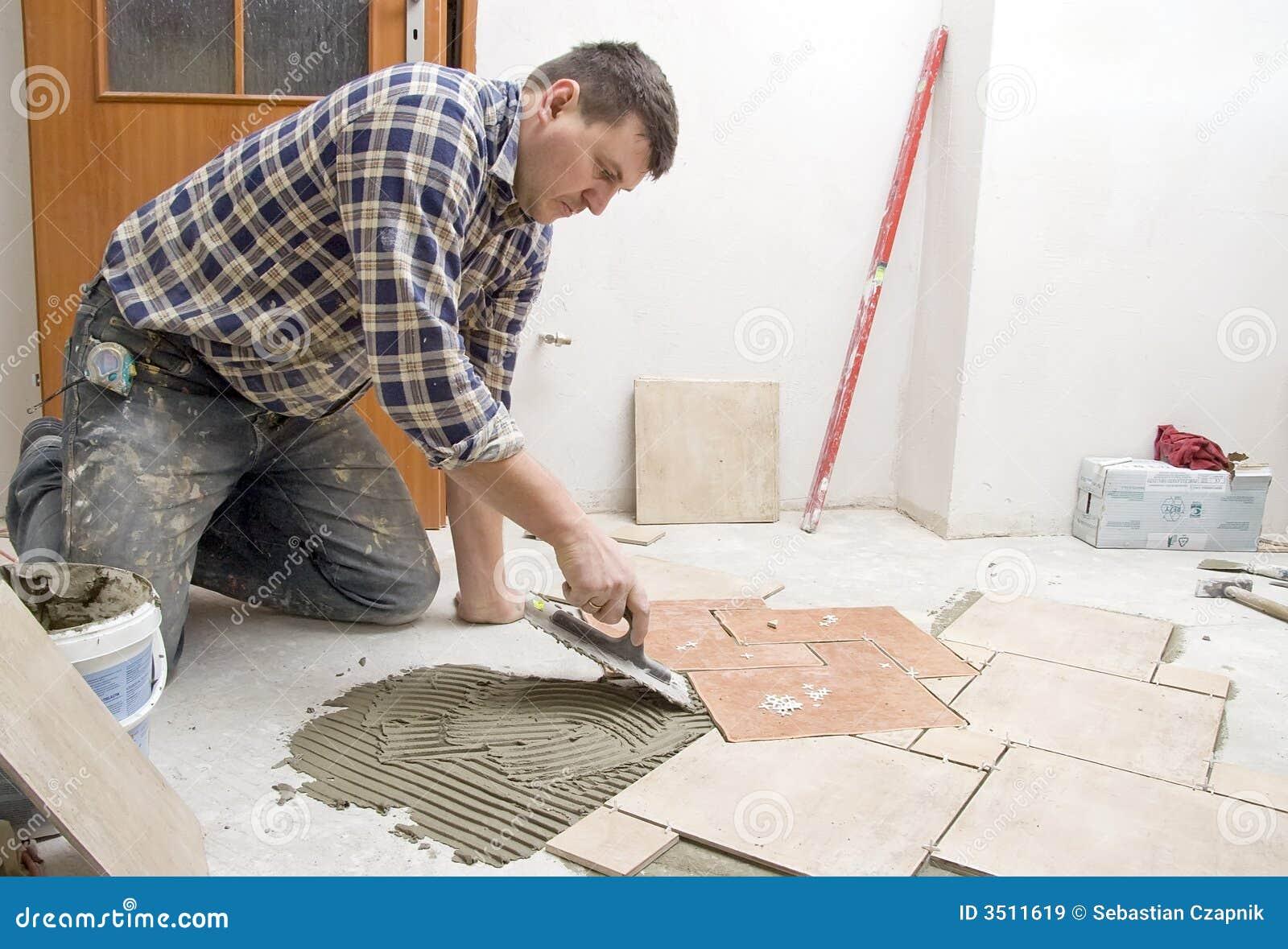 Instalaci n de los azulejos de suelo im genes de archivo - Azulejos de suelo ...