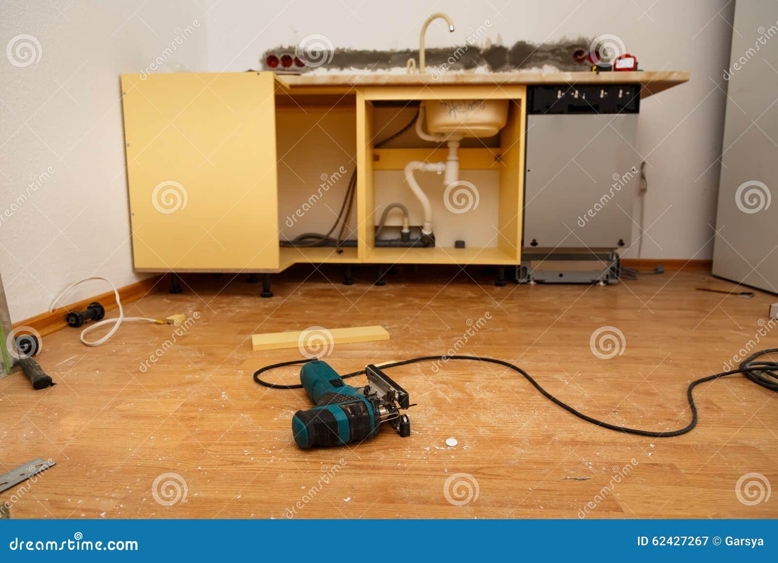 #AA7821  instalação da máquina de lavar louça no trabalho novo da cozinha 1300x957 px Projetos Da Instalação Da Cozinha_401 Imagens