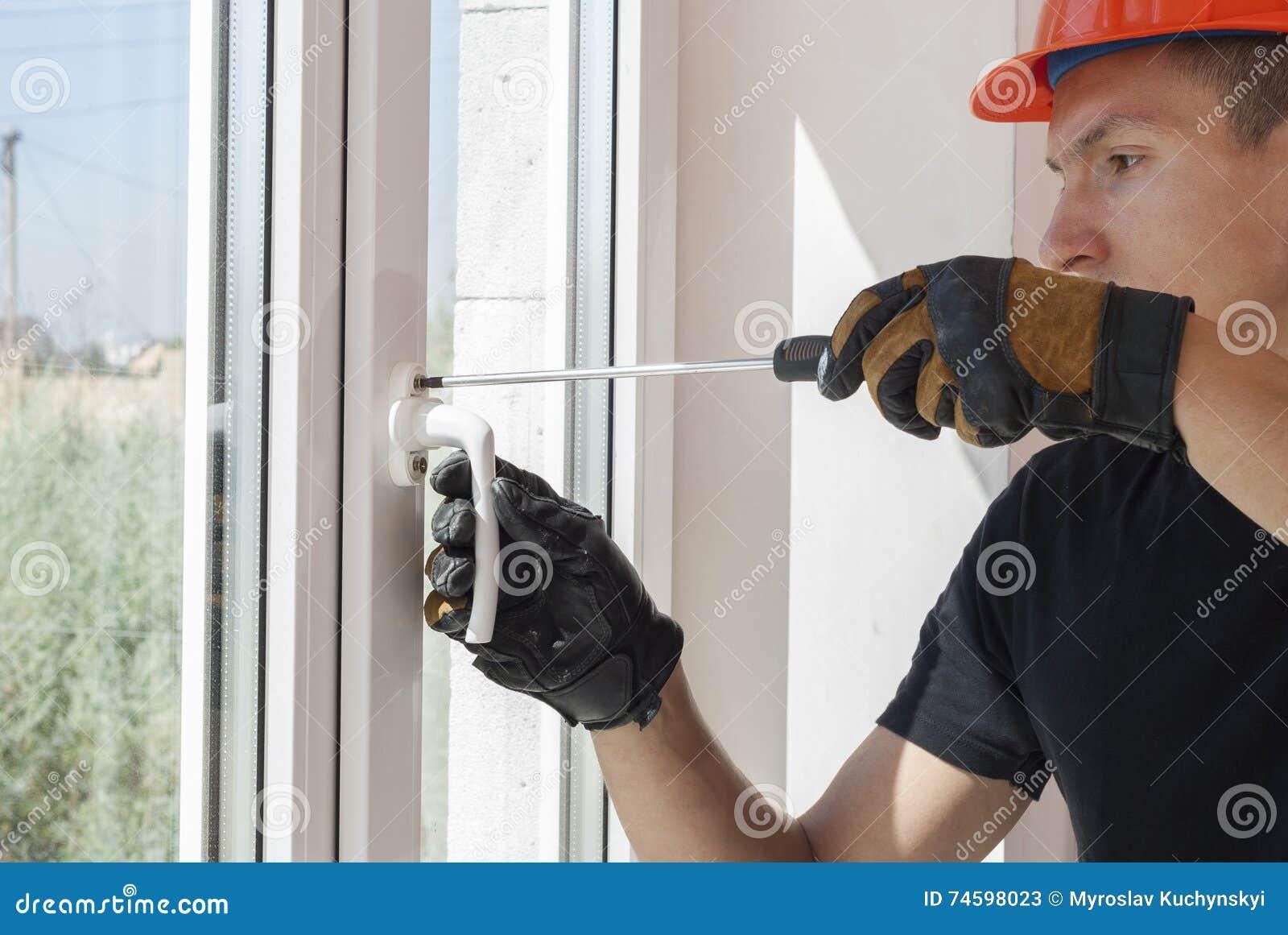 Installatie en reparatie van plastic vensters