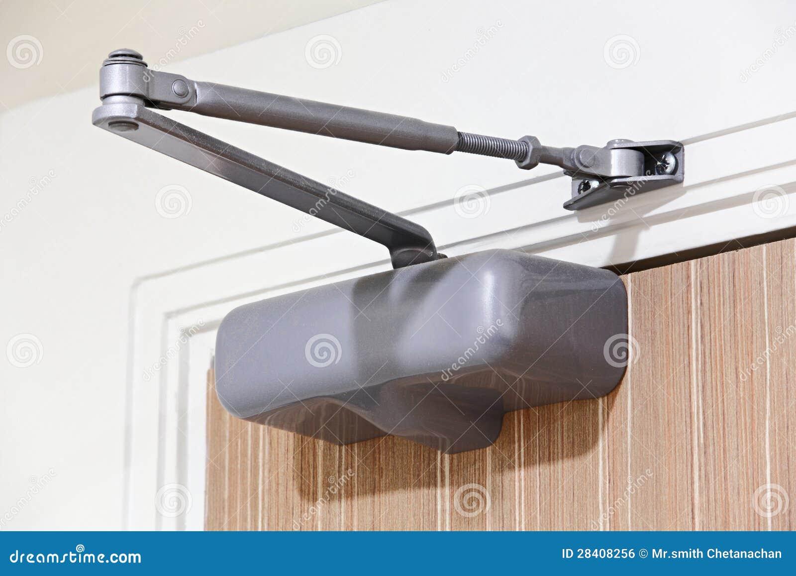installation de ferme porte image libre de droits image 28408256. Black Bedroom Furniture Sets. Home Design Ideas