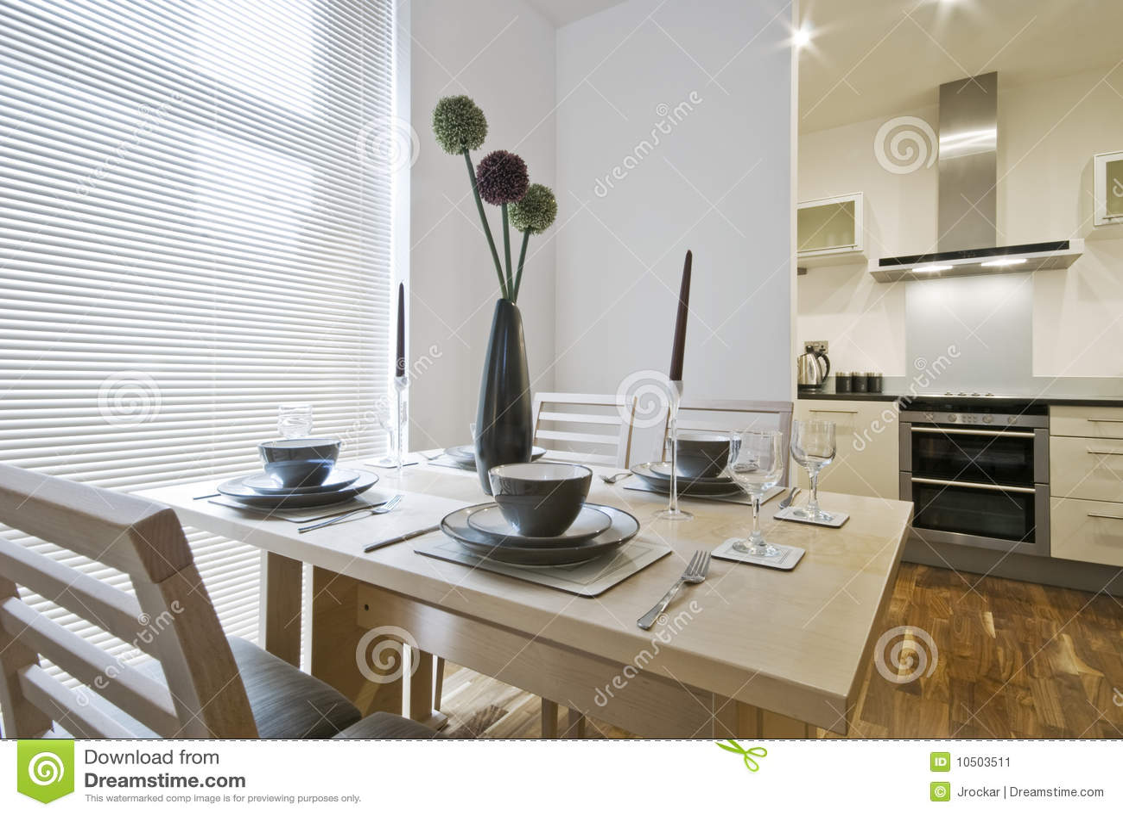 Installation de table dinante