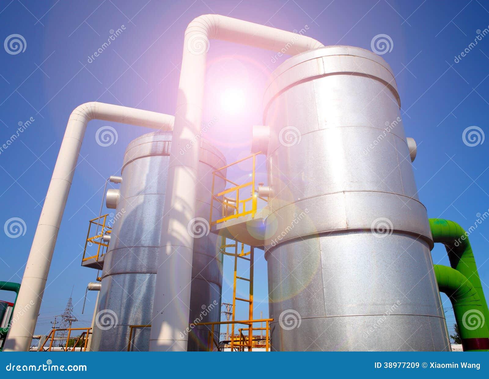 Installation de transformation de pétrole et de gaz