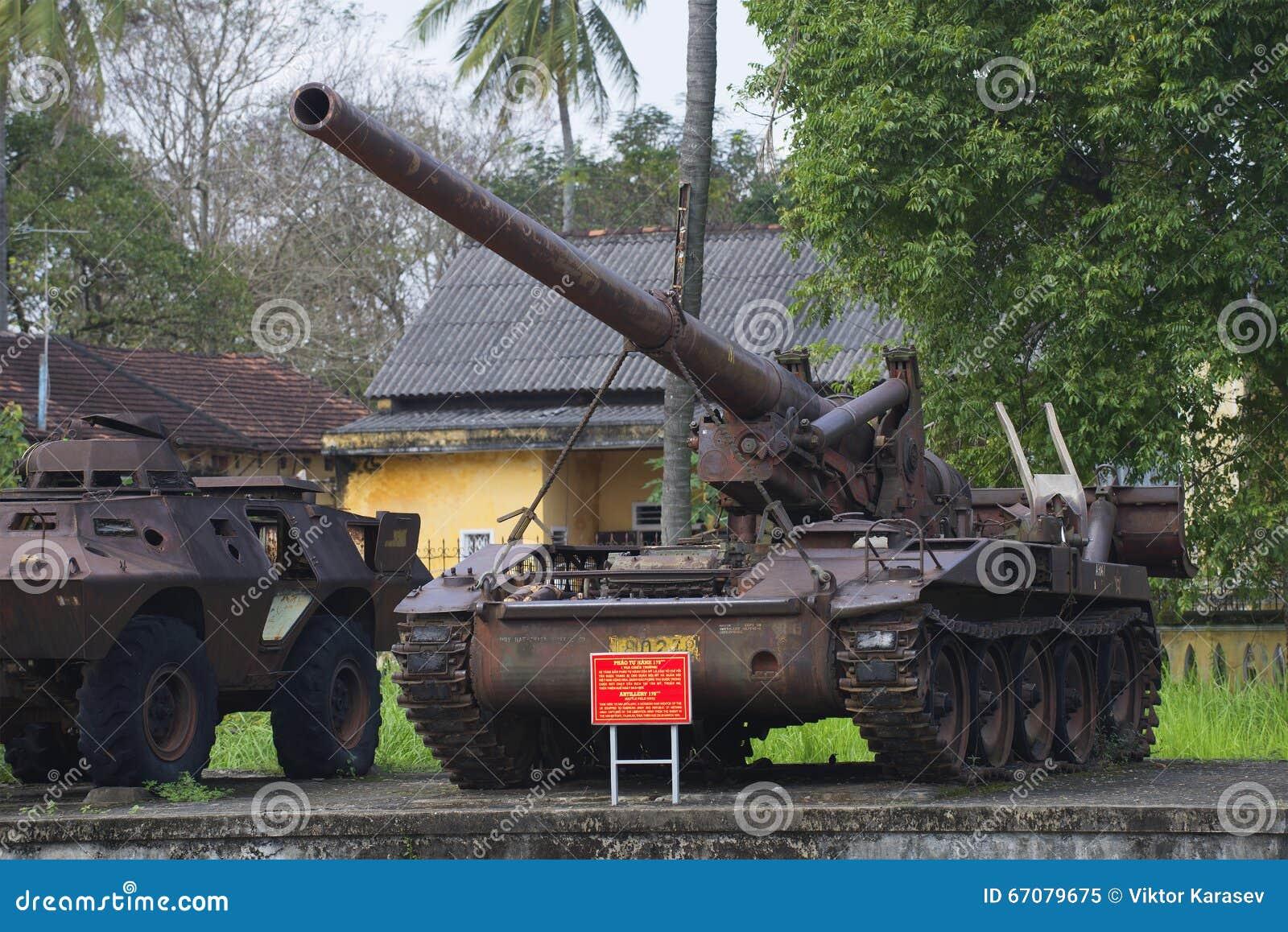 Installation för artilleri för mm för amerikan 175 en självgående i stadsmuseet av tonen vietnam