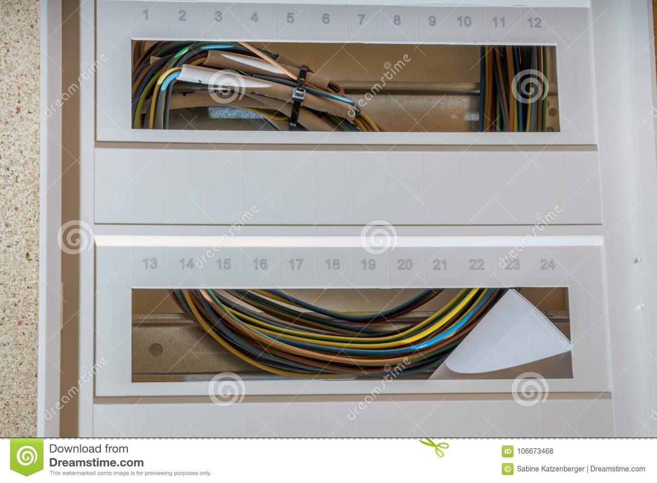 Installation of a new fuse box
