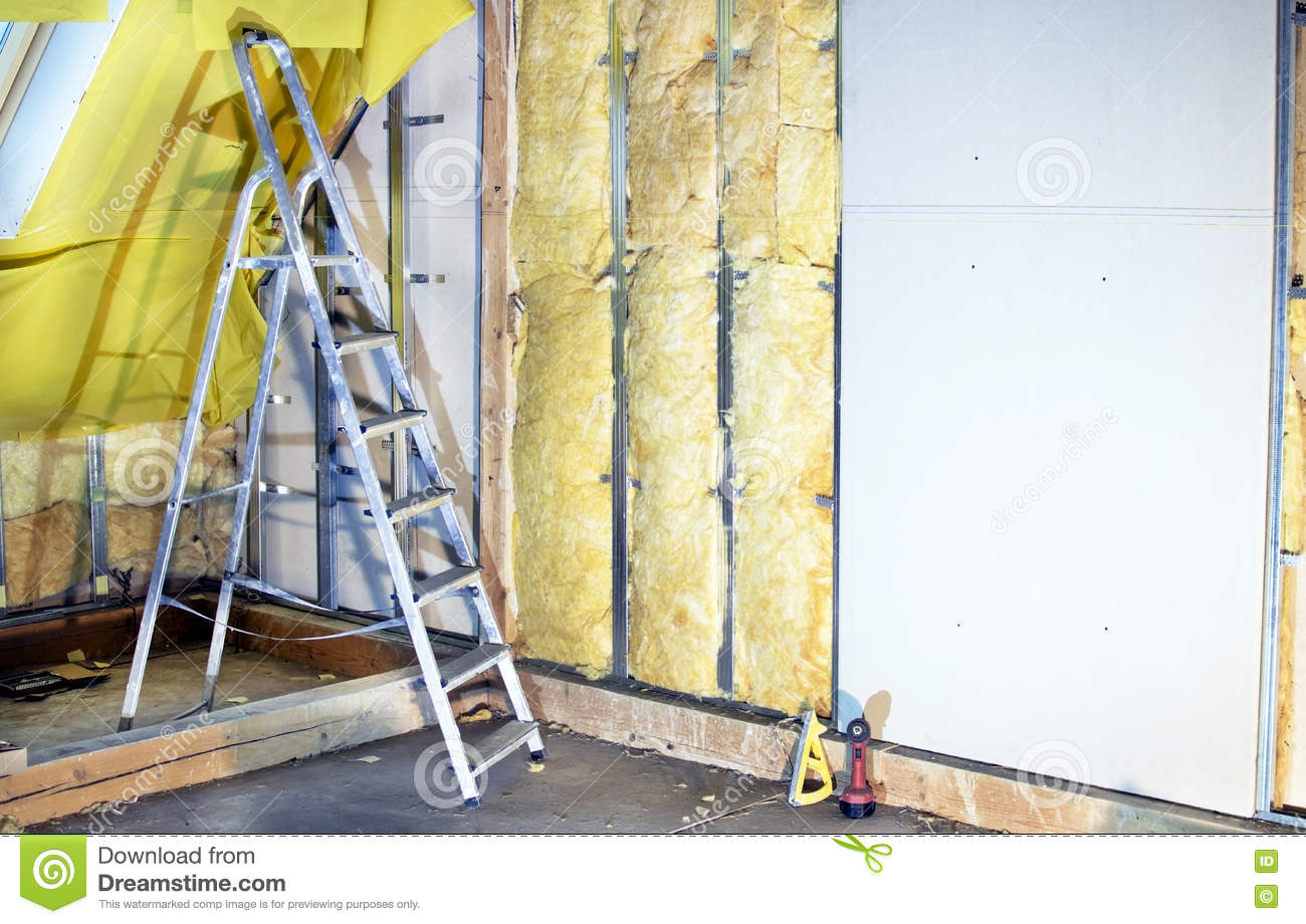 Installation walls with plasterboard and mineral wool for Mineral wool wall insulation