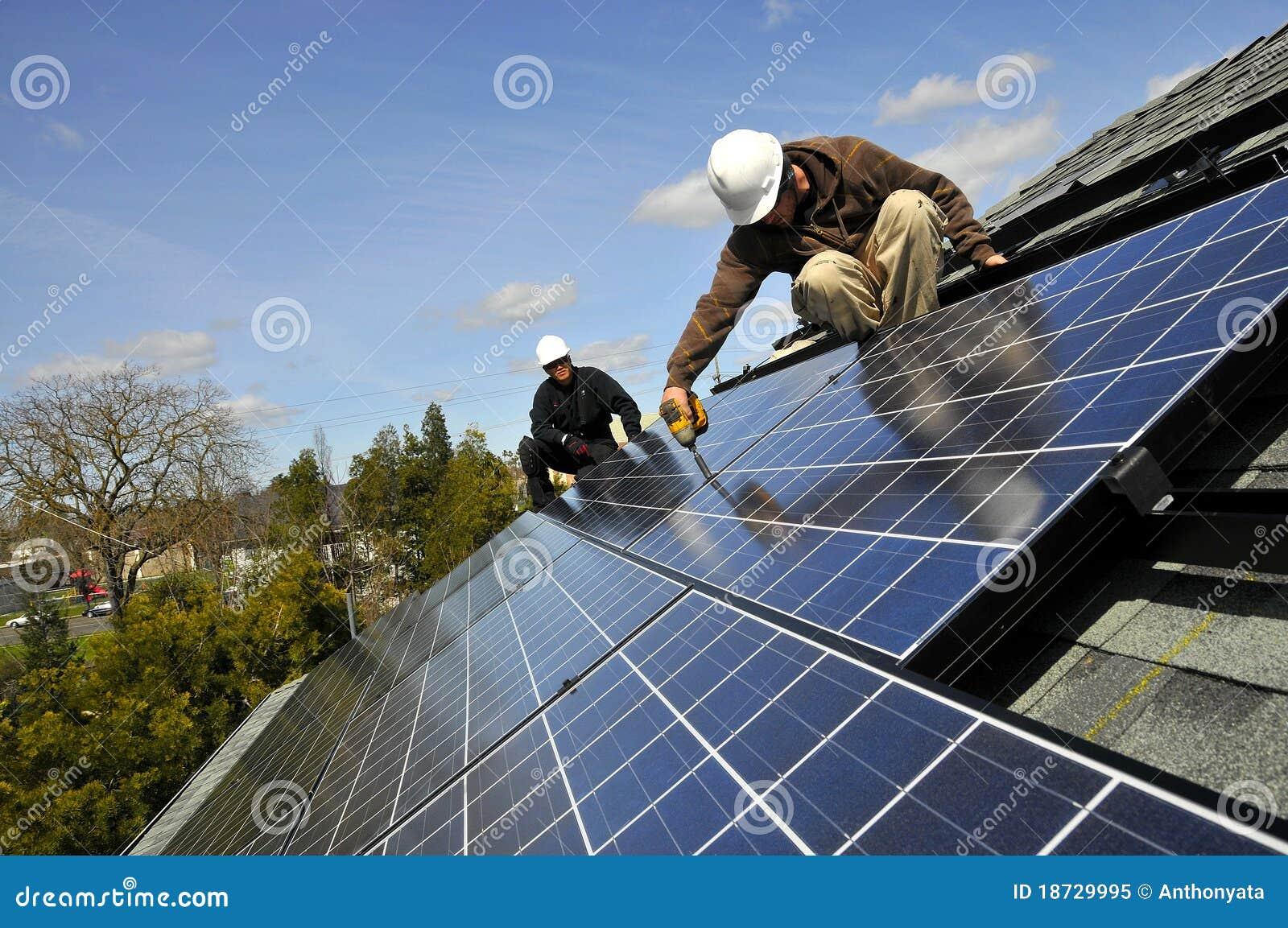 Installatori 4 del comitato solare