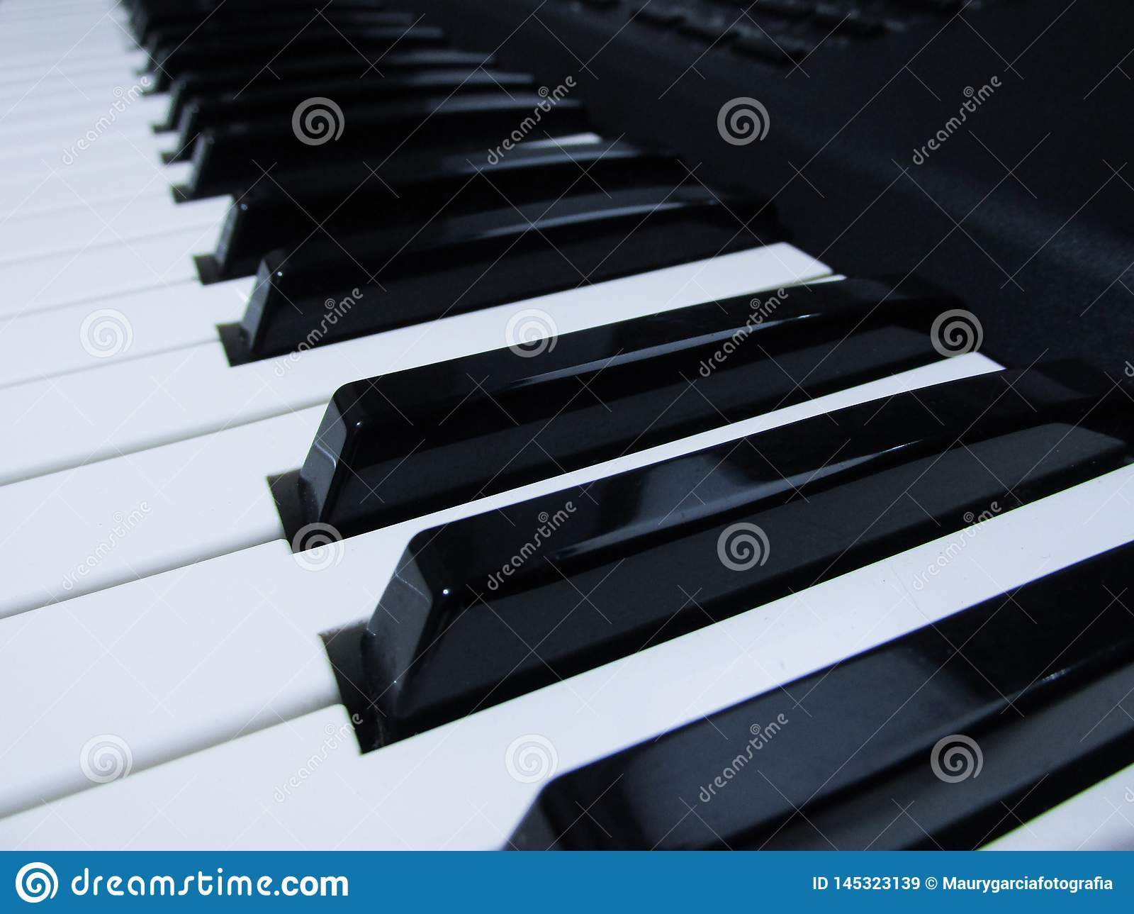 Instrument de musique de piano et de clavier