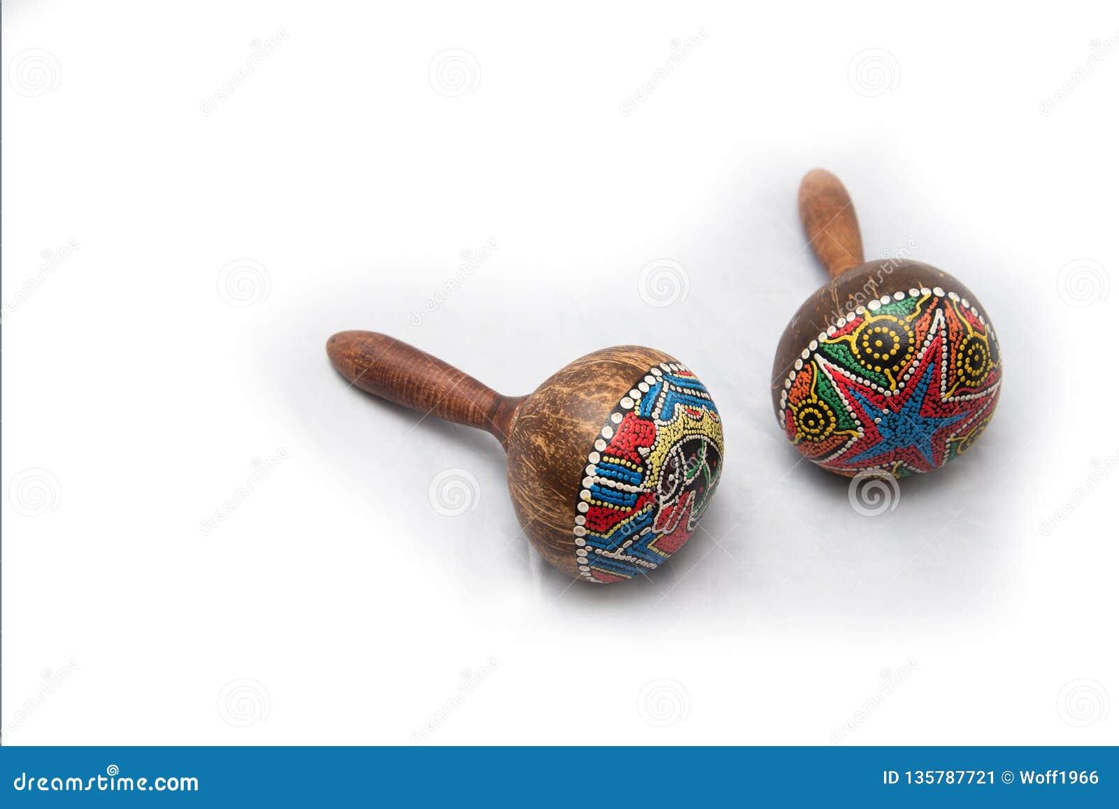 Instrumento musical tradicional feito de materiais naturais