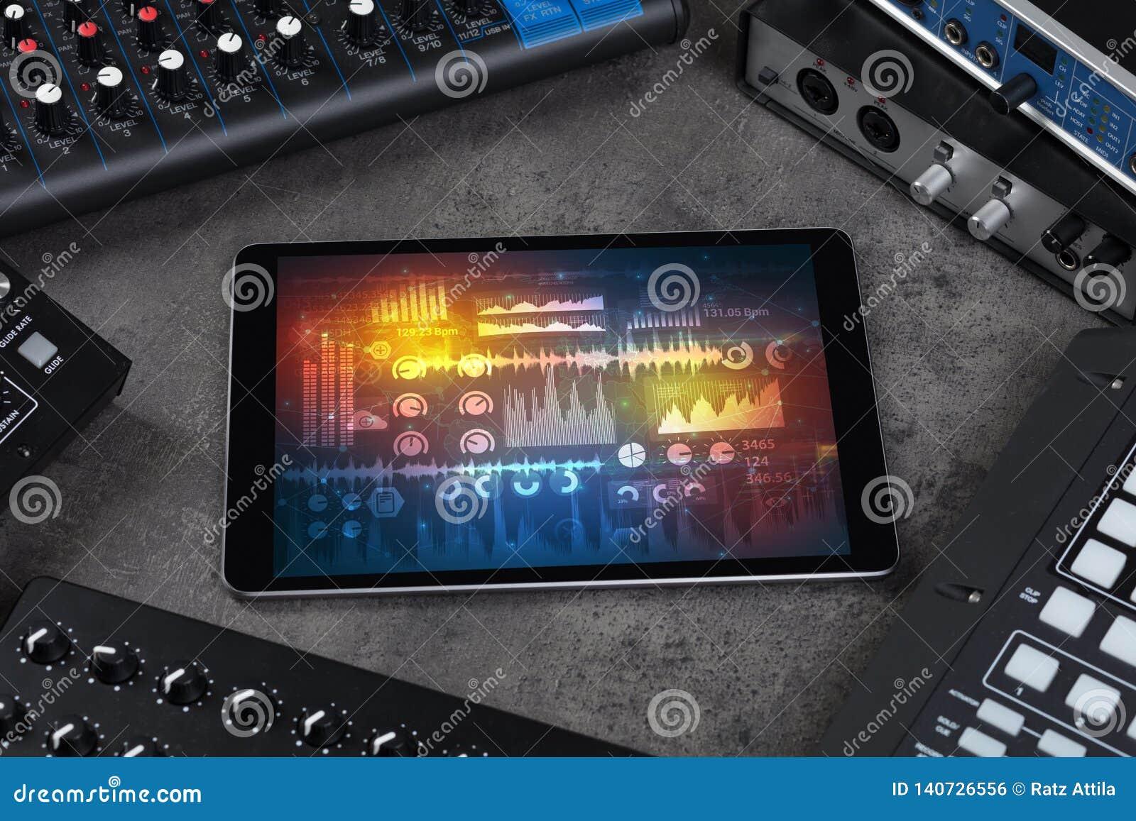 Instrumentos e tabuleta de música eletrônica com conceito dos relatórios