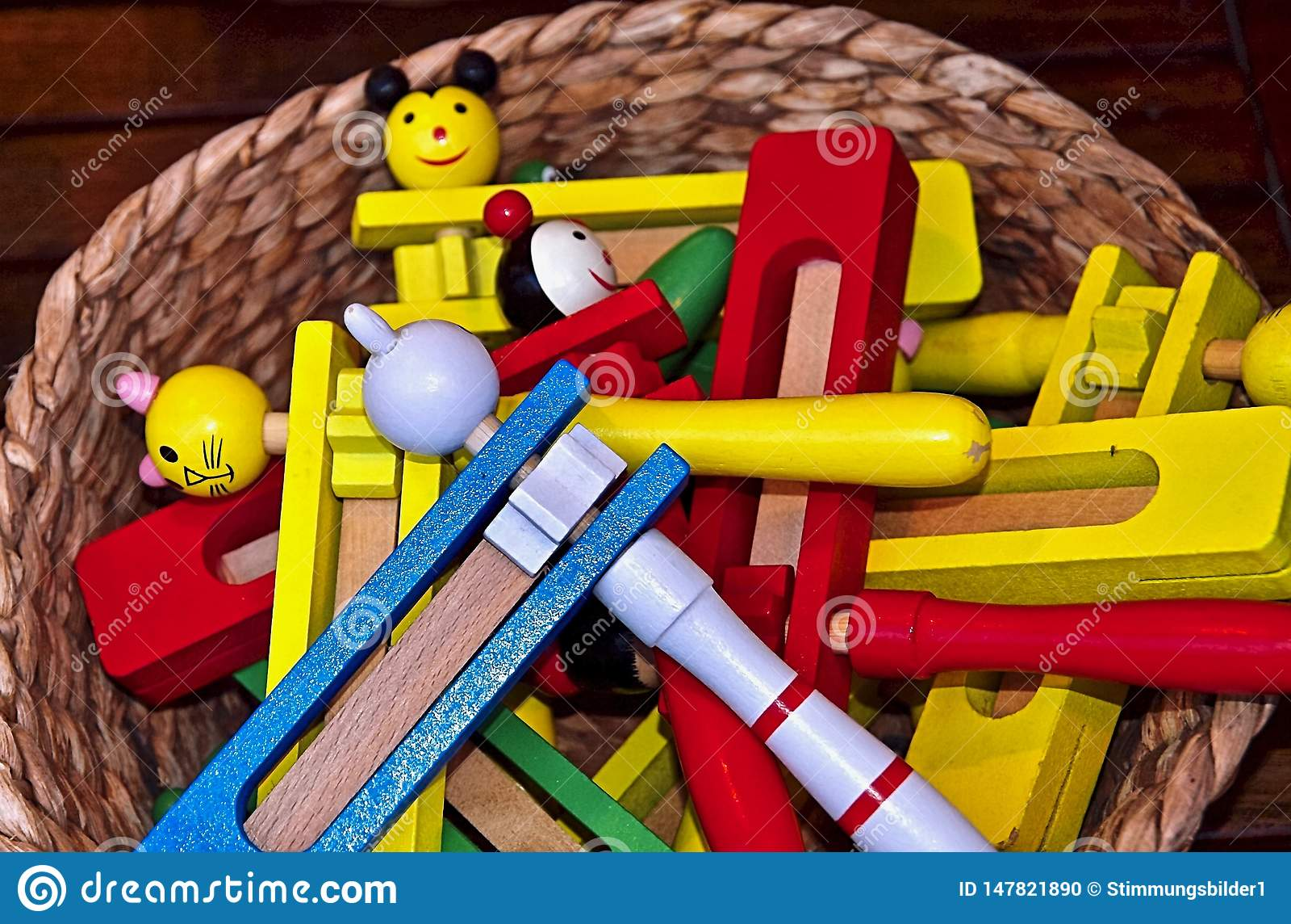 Instruments de musique color?s hors de bois au Portugal