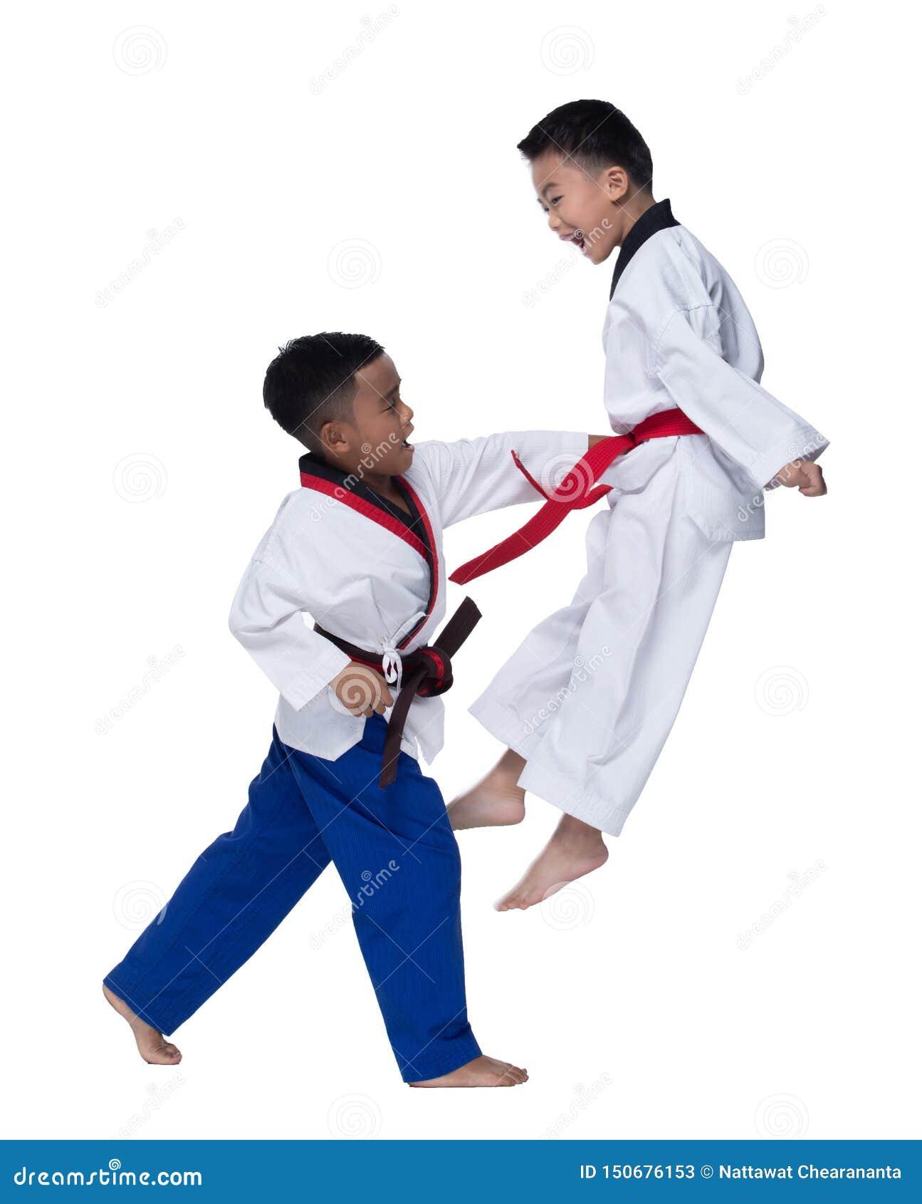 Instrutor mestre do professor de TaeKwonDo do cinturão negro