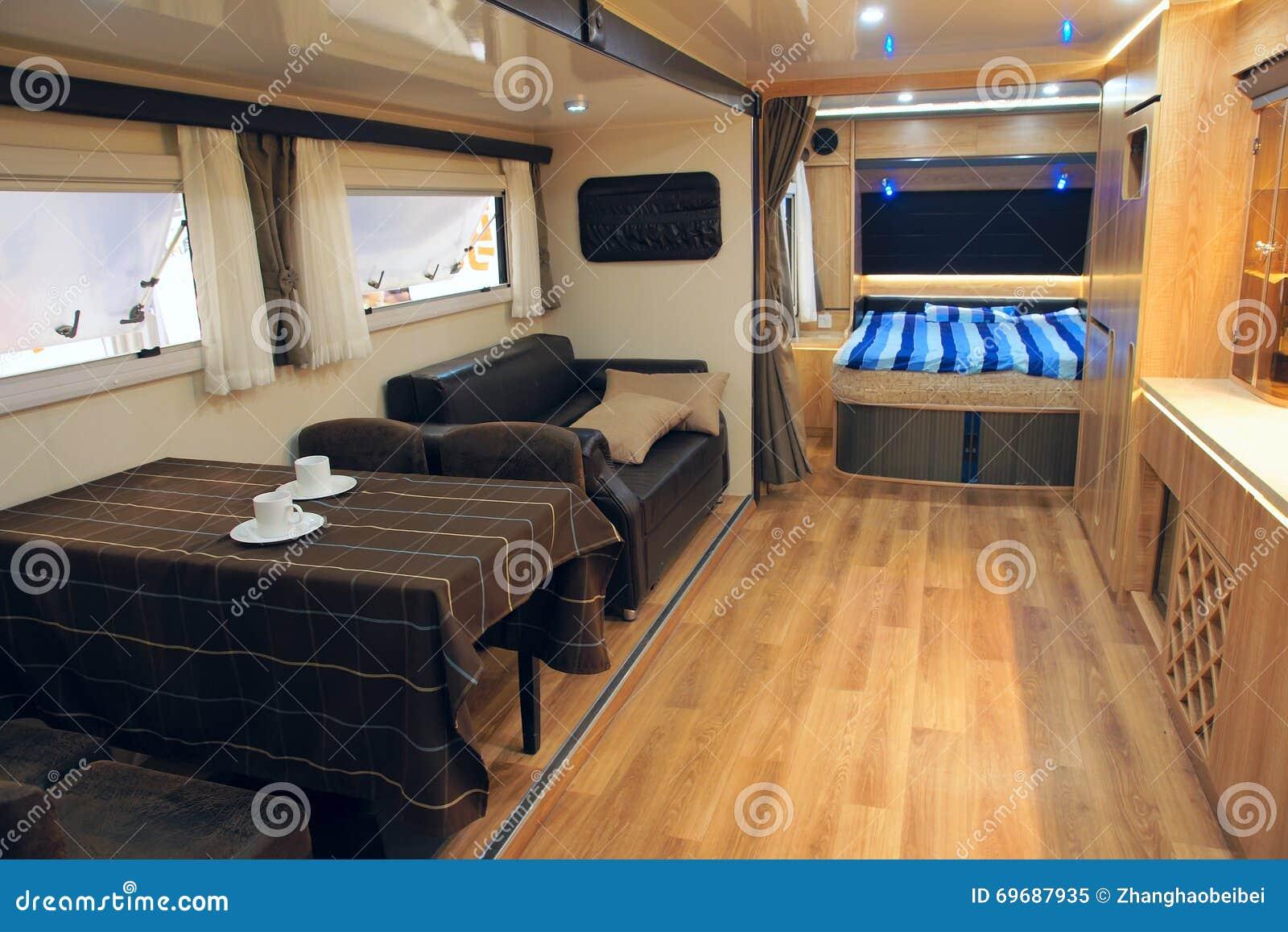 Assez Intérieur De Camping-car Photo stock - Image: 69687935 IW29