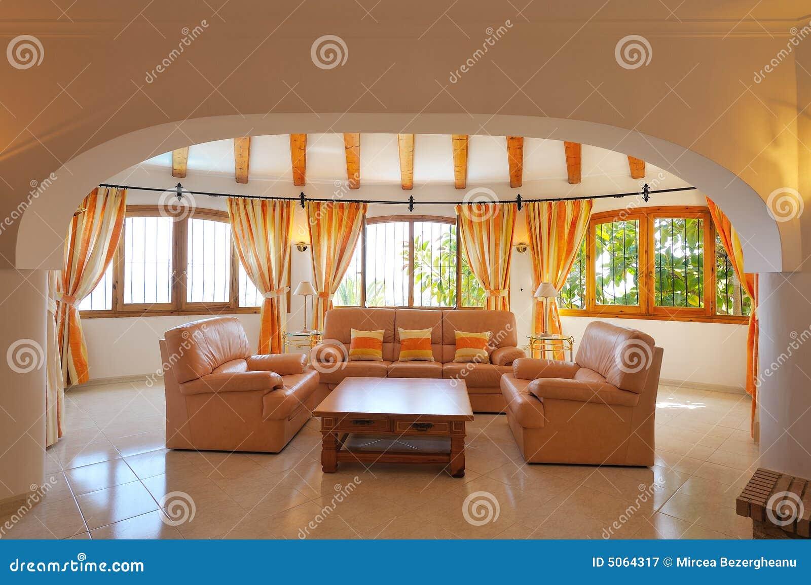 int rieur la maison de luxe. Black Bedroom Furniture Sets. Home Design Ideas