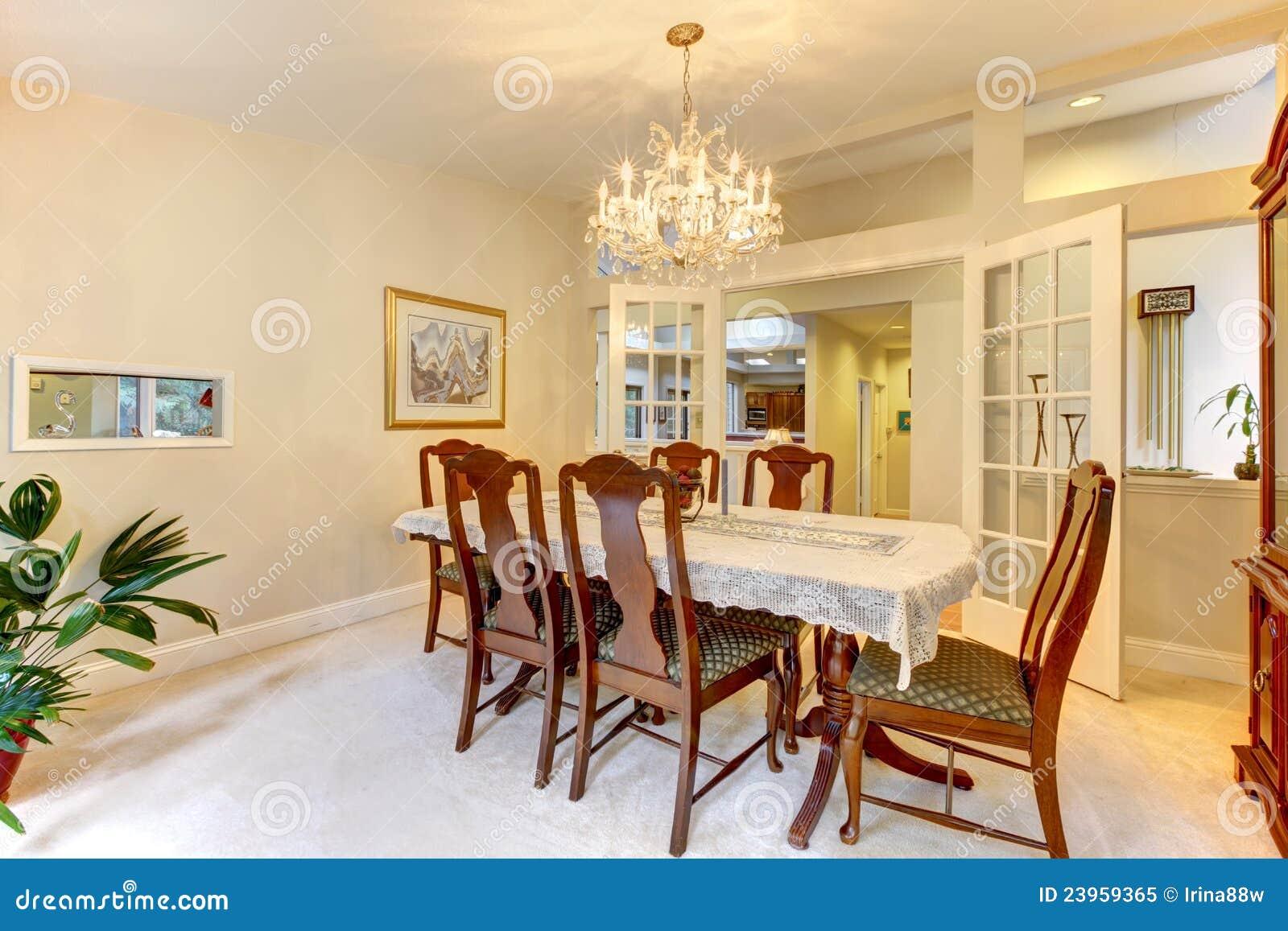 Int rieur am ricain classique de salle manger image - Decoration interieur americain ...