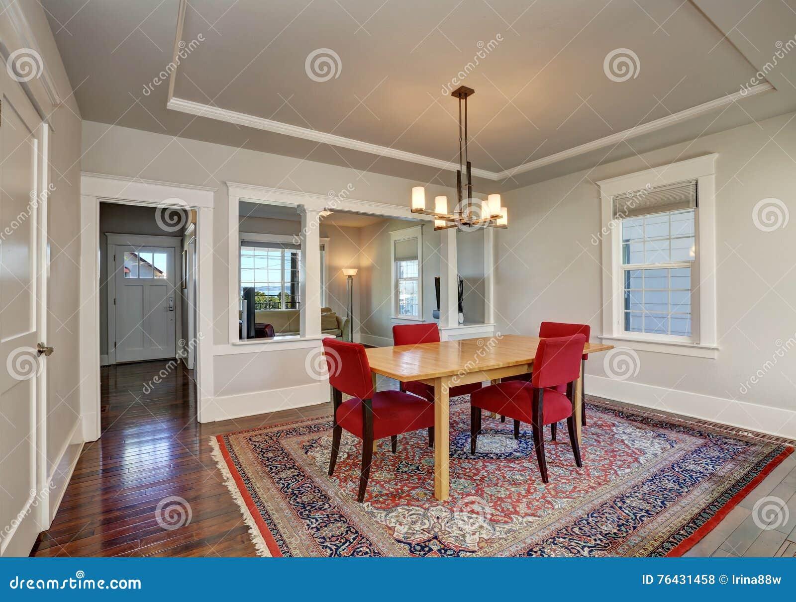Interieur Americain De Salle A Manger Avec La Table Et Les Chaises