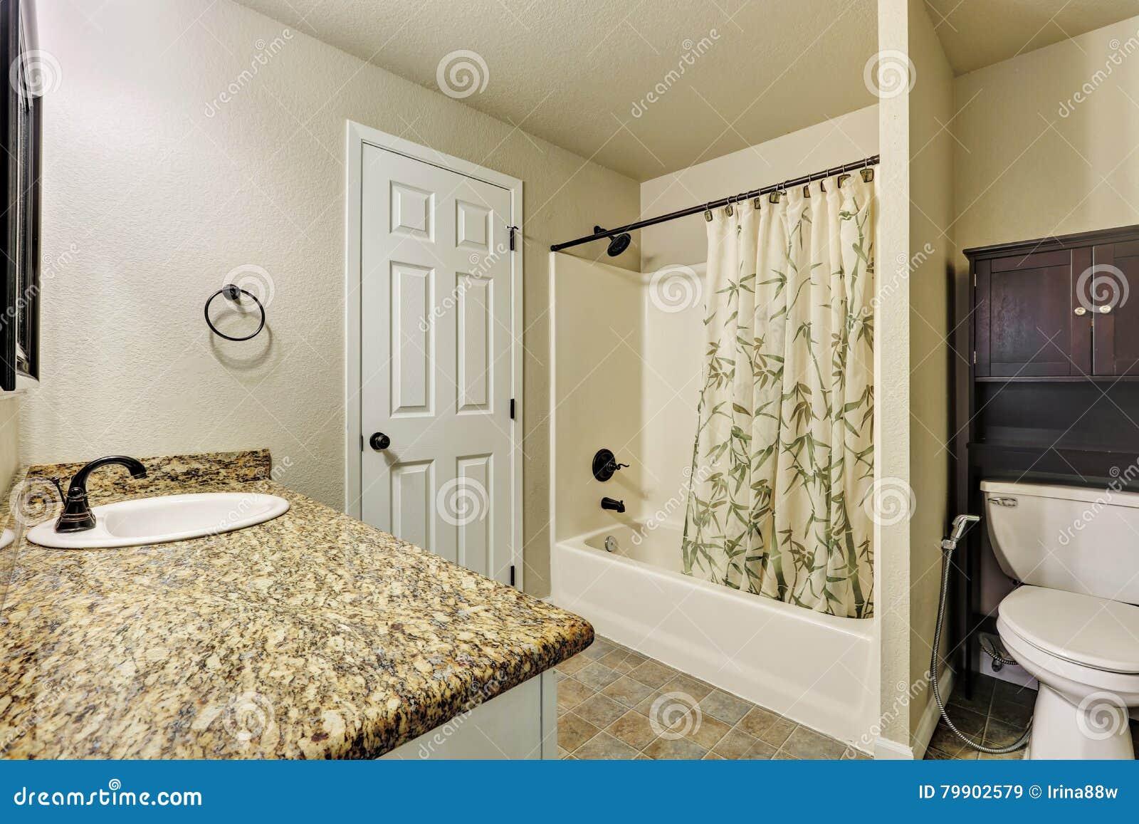 Hotel Ibis Salle De Bain ~ int rieur am ricain typique de salle de bains dans la petite maison