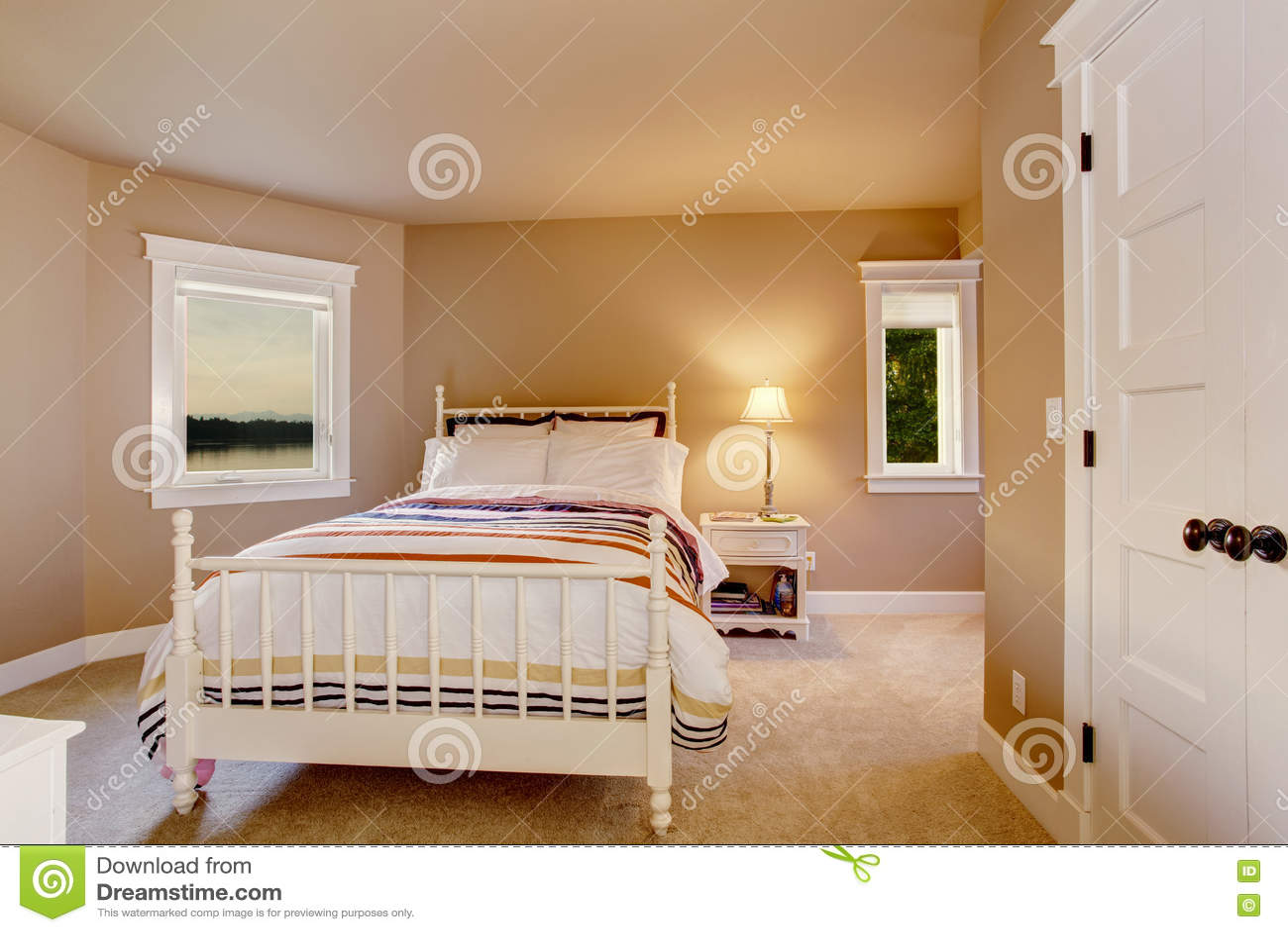 Moquette de chambre simple iledefrance moquette marron - Moquette pour chambre ...