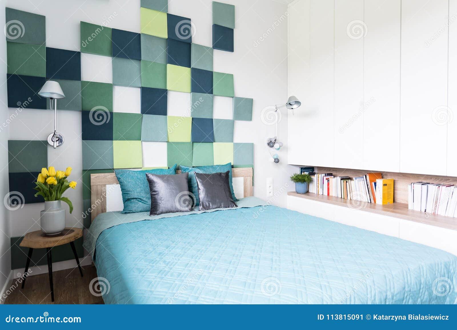Intérieur Bleu Et Vert De Chambre à Coucher Image stock ...