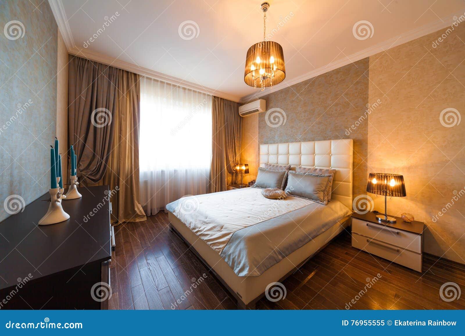 Intérieur Classique De Chambre à Coucher, Beige Image stock - Image ...