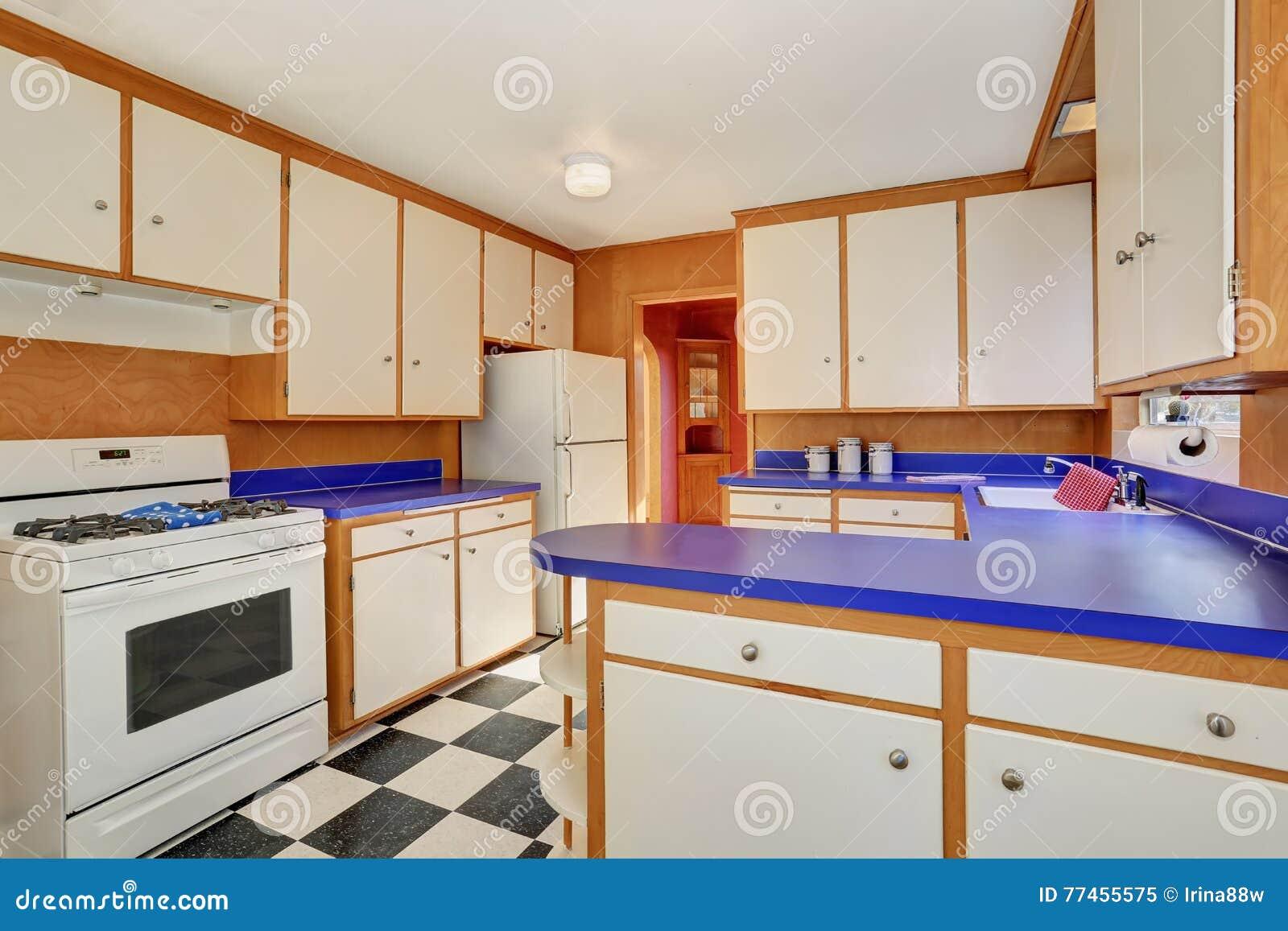 Plan De Travail Bleu intérieur classique de pièce de cuisine avec les coffrets