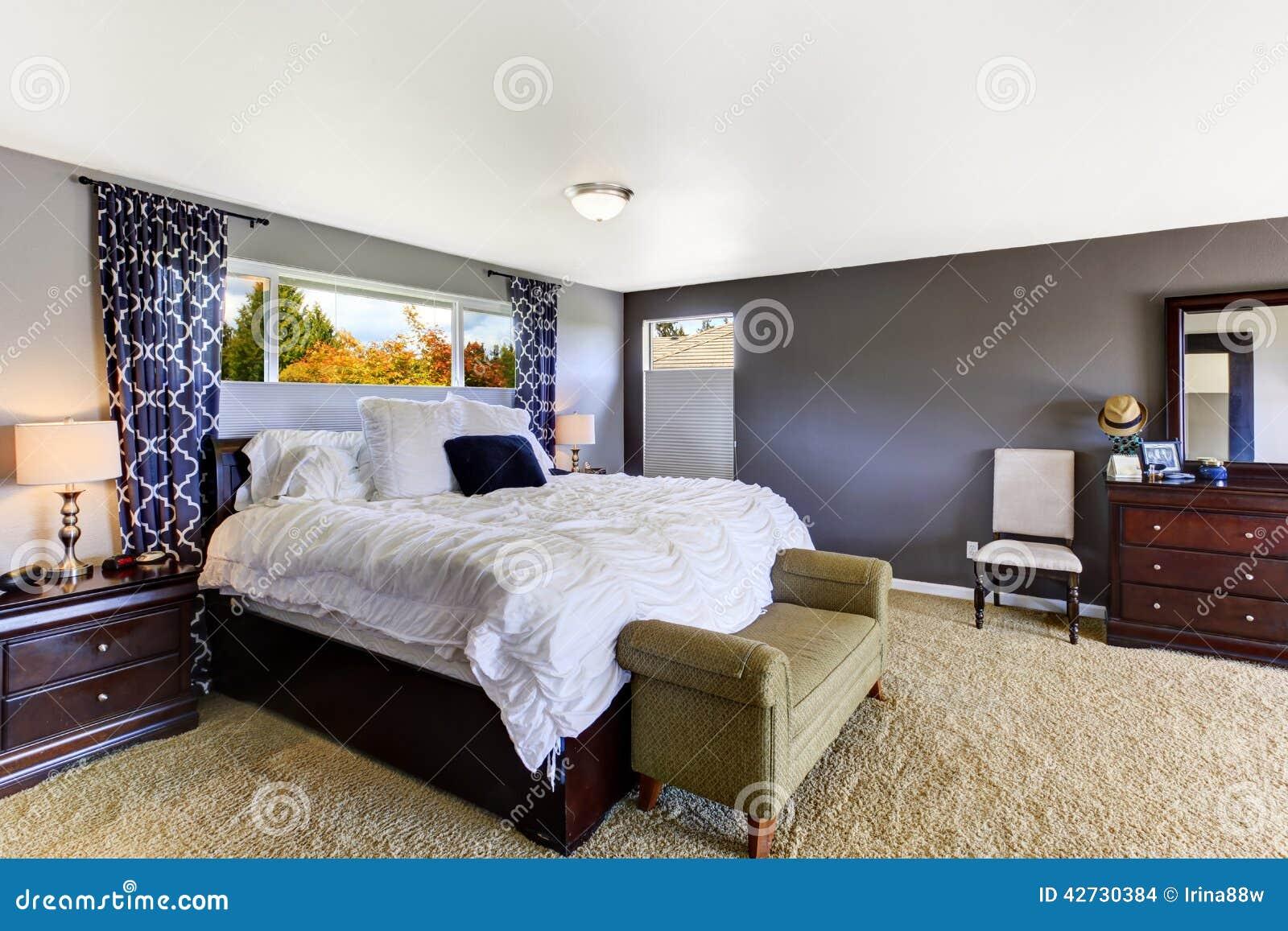 Int rieur confortable de chambre coucher dans la couleur for Interieur chambre a coucher