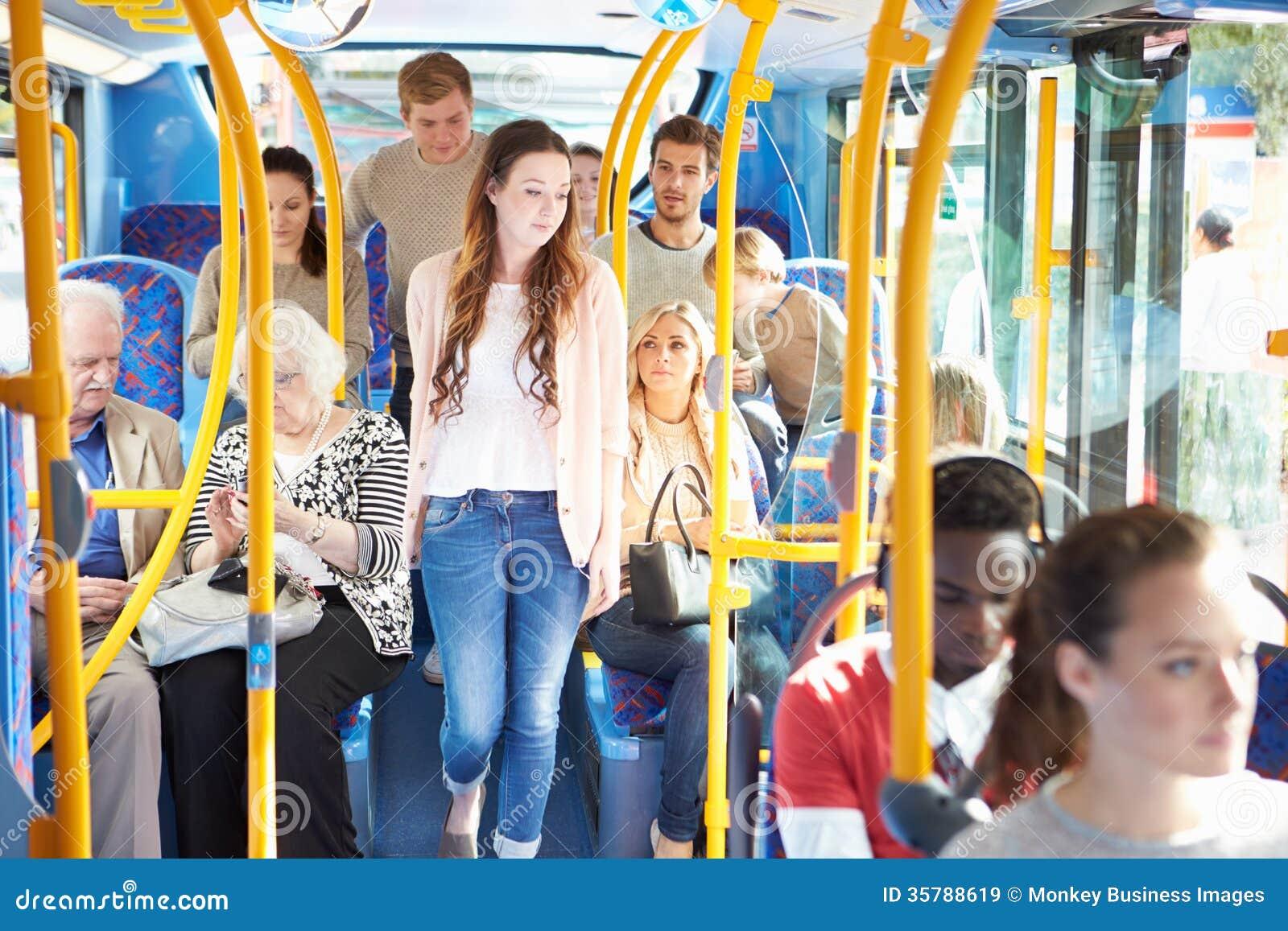 Int 233 Rieur D Autobus Avec Des Passagers Images Libres De