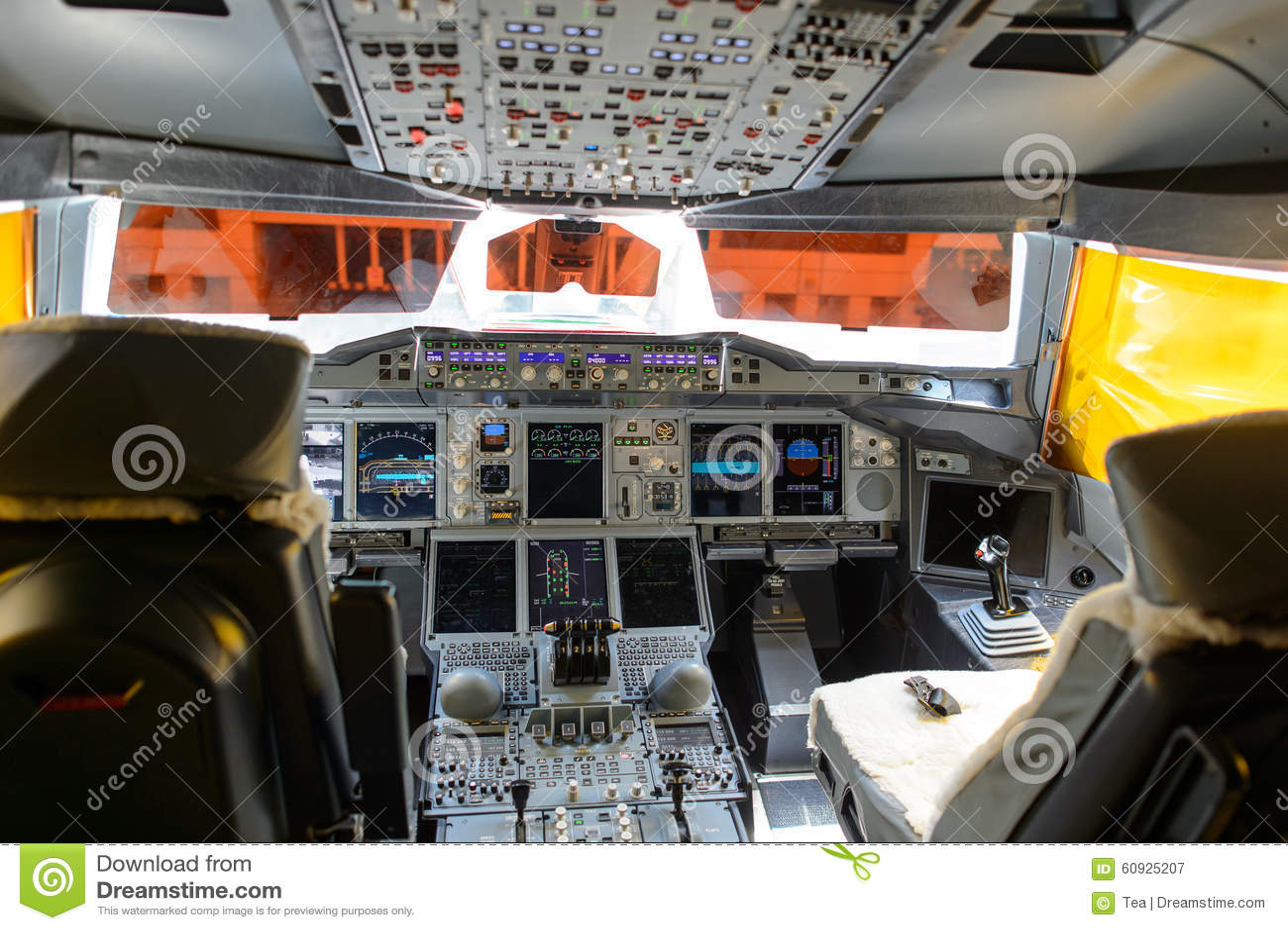 Int rieur d 39 habitacle des mirats a380 800 photographie for Avion airbus a380 interieur