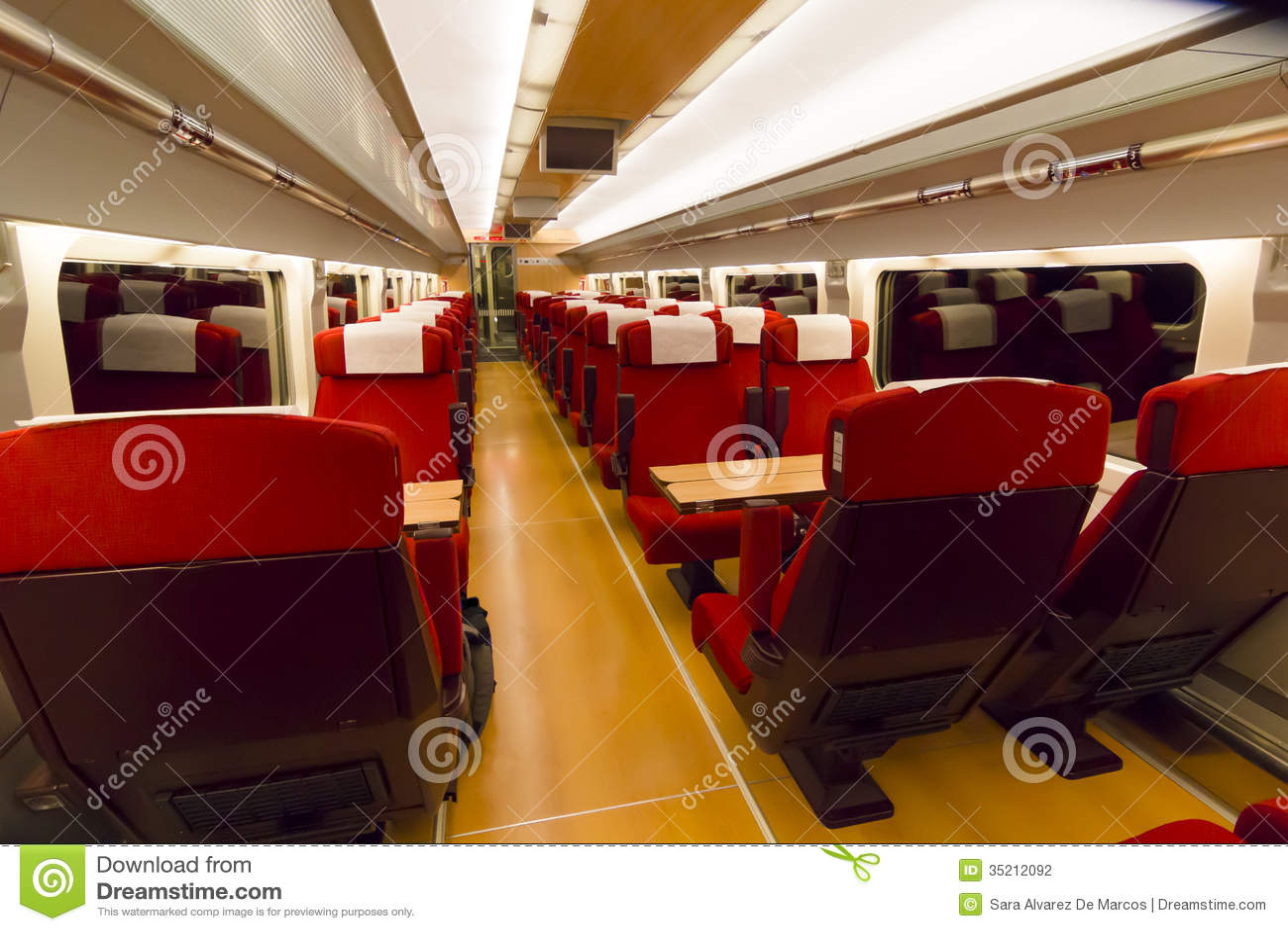 int rieur d 39 un chariot de train photographie stock image 35212092. Black Bedroom Furniture Sets. Home Design Ideas