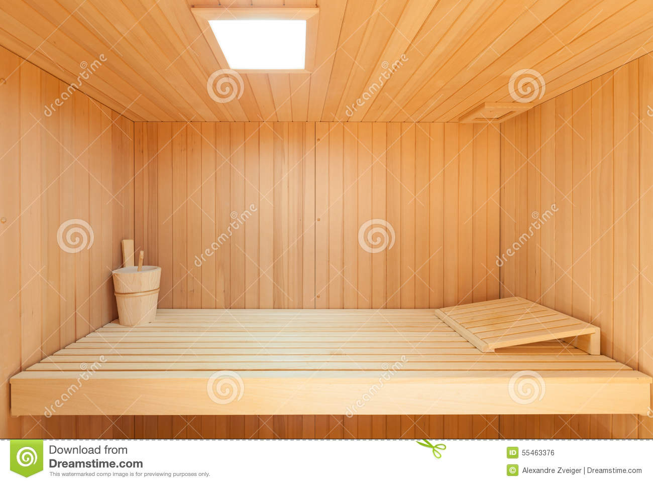 int rieur d 39 un sauna en bois photo stock image 55463376. Black Bedroom Furniture Sets. Home Design Ideas