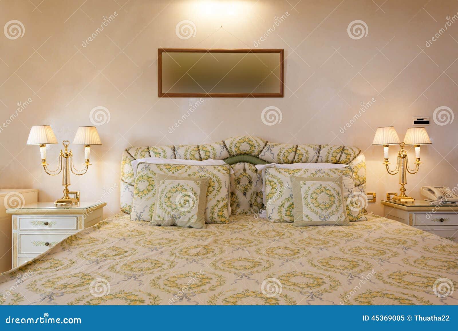 Intérieur d une chambre à coucher classique de style
