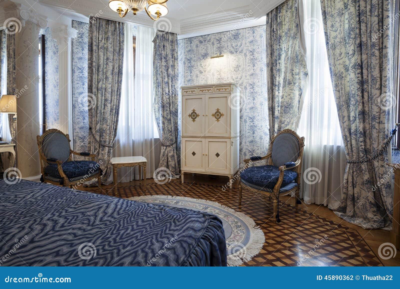 Intérieur d une chambre à coucher en villa de luxe photo stock