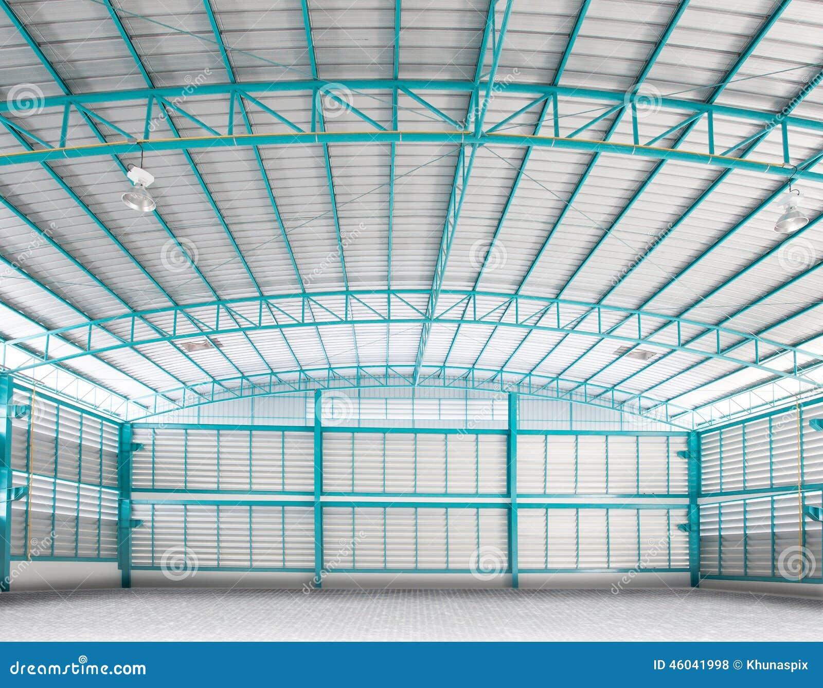 Int rieur d 39 utilisation vide d 39 entrep t de structure pour for Le vide interieur