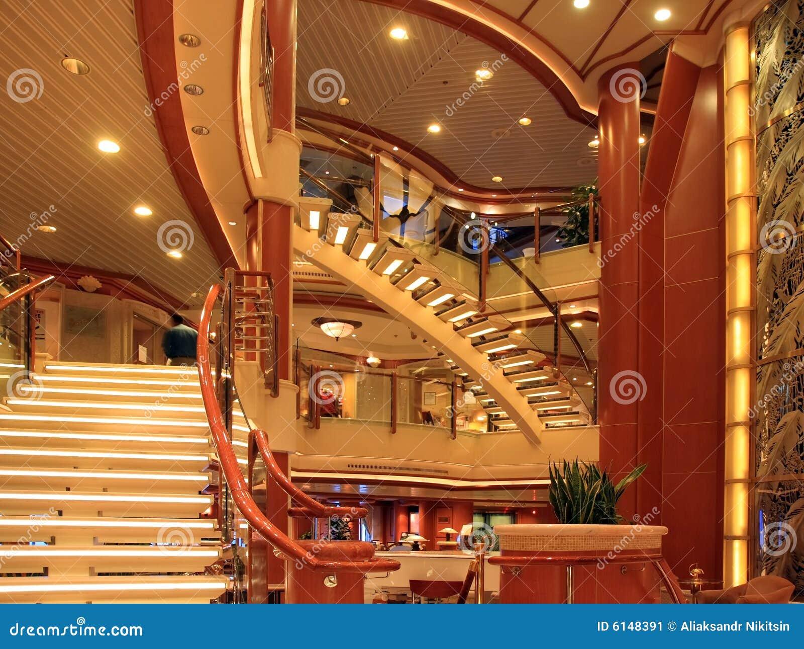 int rieur de bateau de croisi re image stock image du indoors caf t ria 6148391. Black Bedroom Furniture Sets. Home Design Ideas