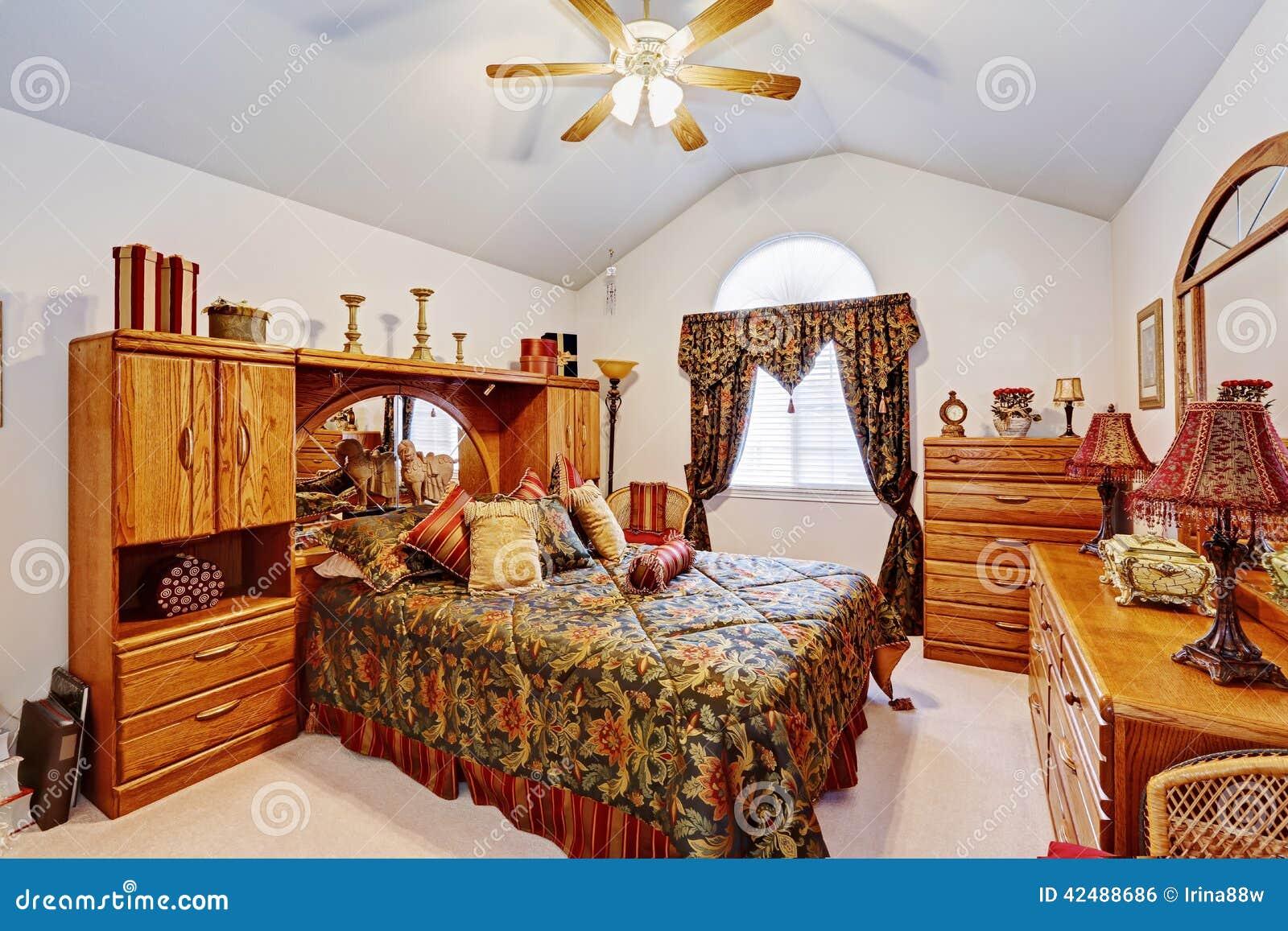 Int rieur de chambre coucher avec l 39 ensemble rustique de for Ensemble de meubles chambre a coucher