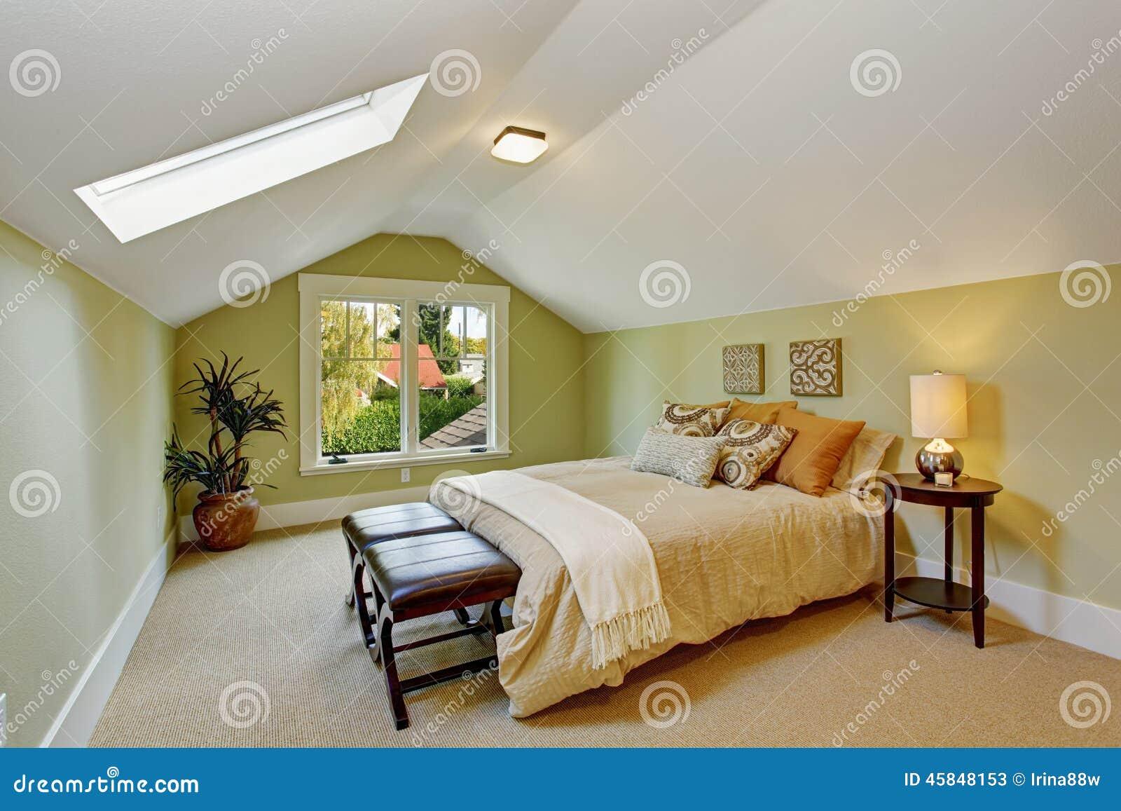 Int rieur de chambre coucher avec les murs en bon tat for T c bedrooms wirral