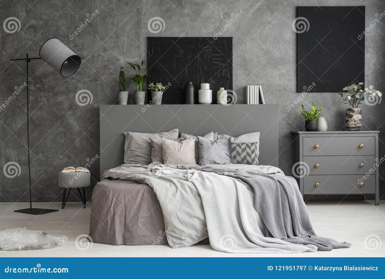 Chambre A Coucher Peinture Gris intérieur de chambre à coucher de gris de cendre avec deux