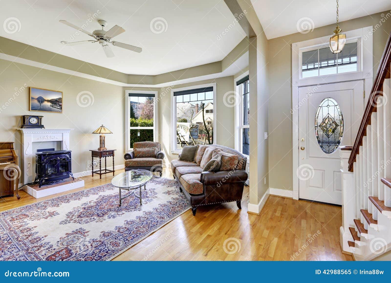 int rieur de chambre avec l 39 espace ouvert salon et entr e ha image stock image du meubles. Black Bedroom Furniture Sets. Home Design Ideas