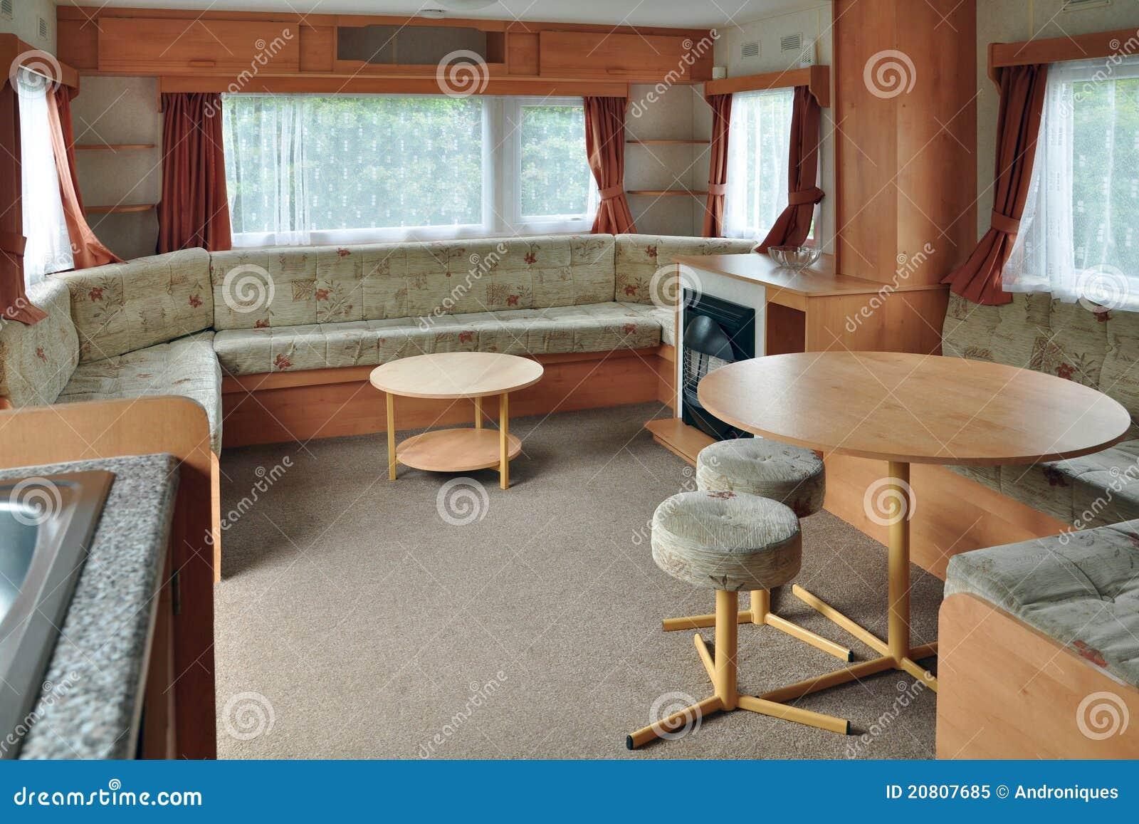 int rieur de chariot ou de remorque de caravane image stock image du pr fabriqu pi ce 20807685. Black Bedroom Furniture Sets. Home Design Ideas