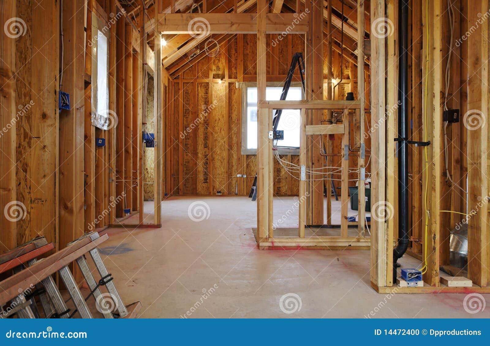 Int rieur de construction la maison neuve photo stock for Interieur maison neuve
