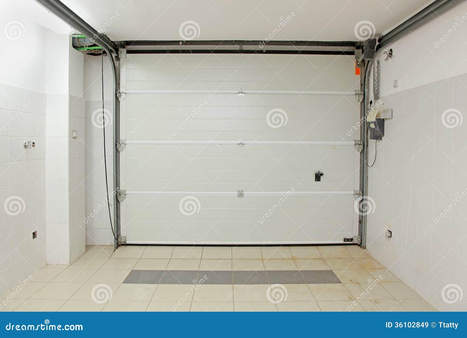 Int rieur de garage images libres de droits image 36102849 for Interieur garage