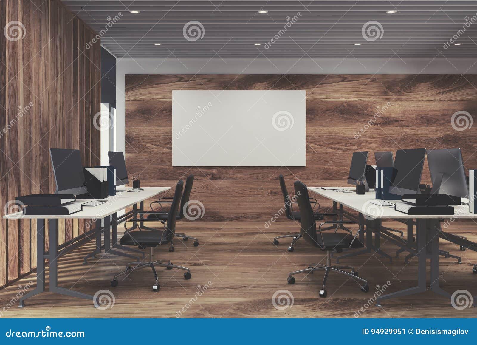 Intérieur de luxe de bureau avec les tables blanches d ordinateur