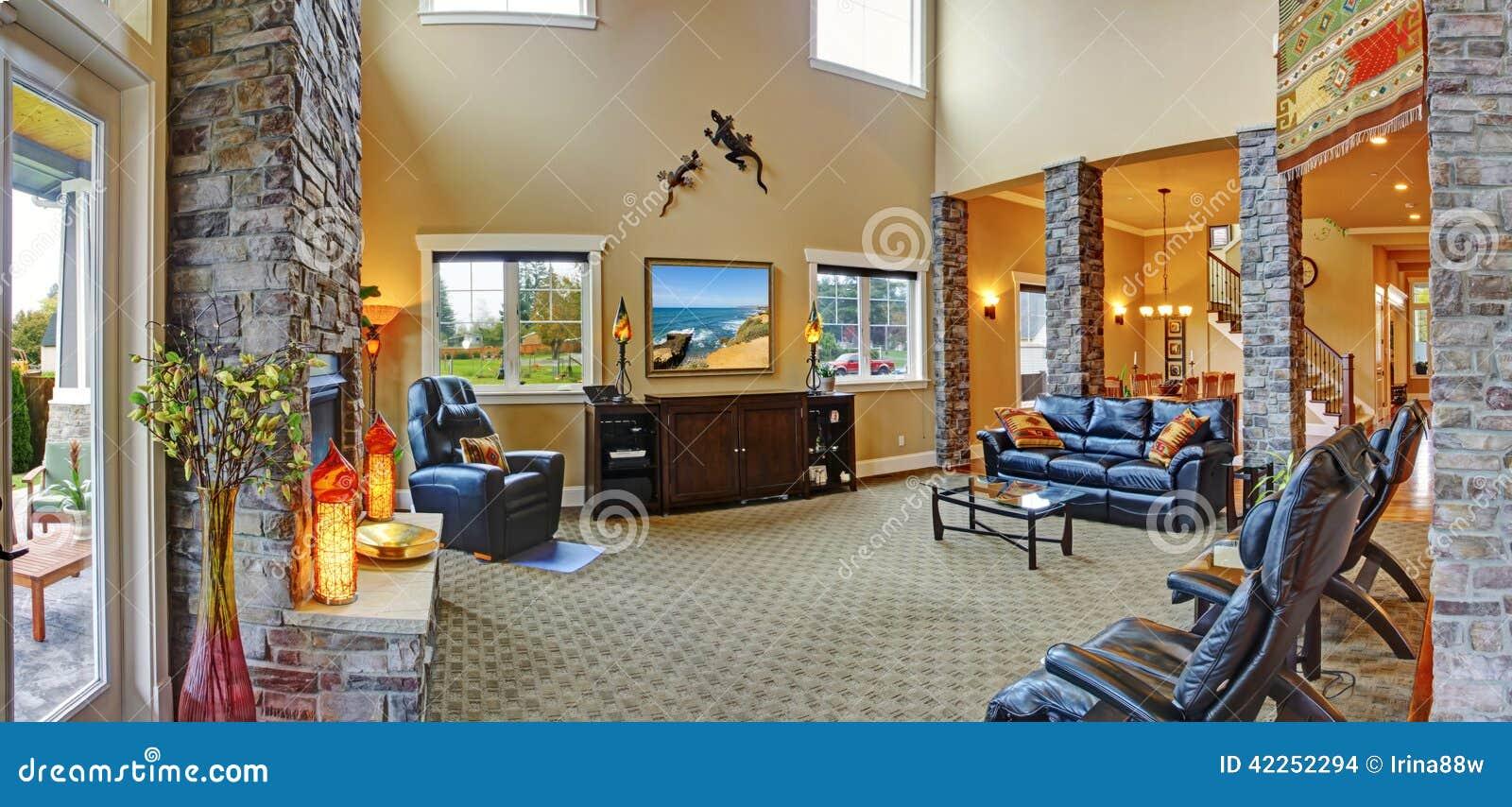 Int rieur de luxe de maison salle de s jour avec la for Salle de sejour de luxe