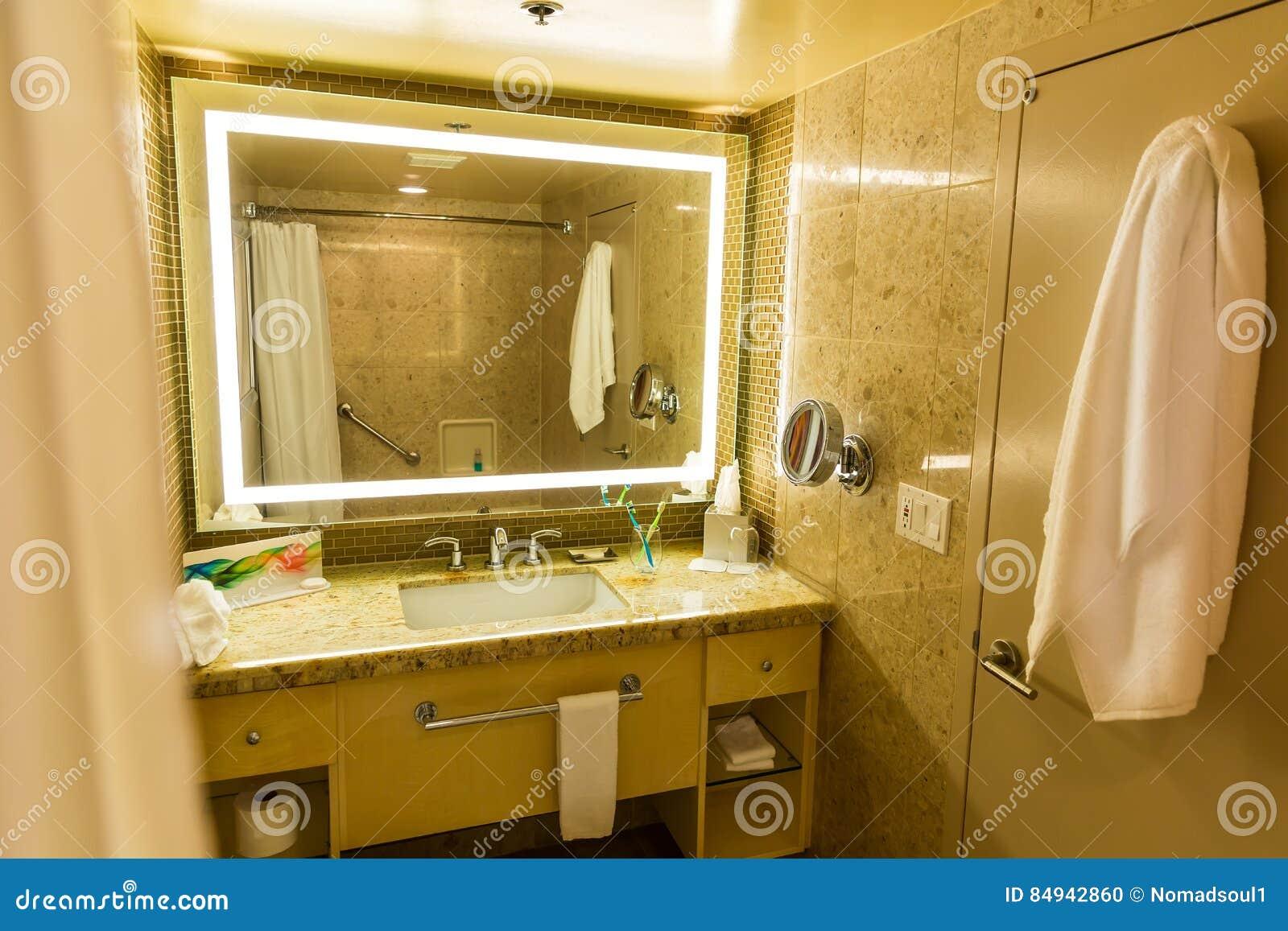 Intérieur De Luxe De Salle De Bains Ou De Toilette D Hôtel