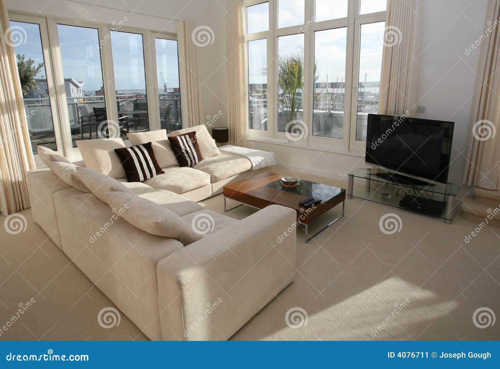 Intérieur de luxe de salle de séjour