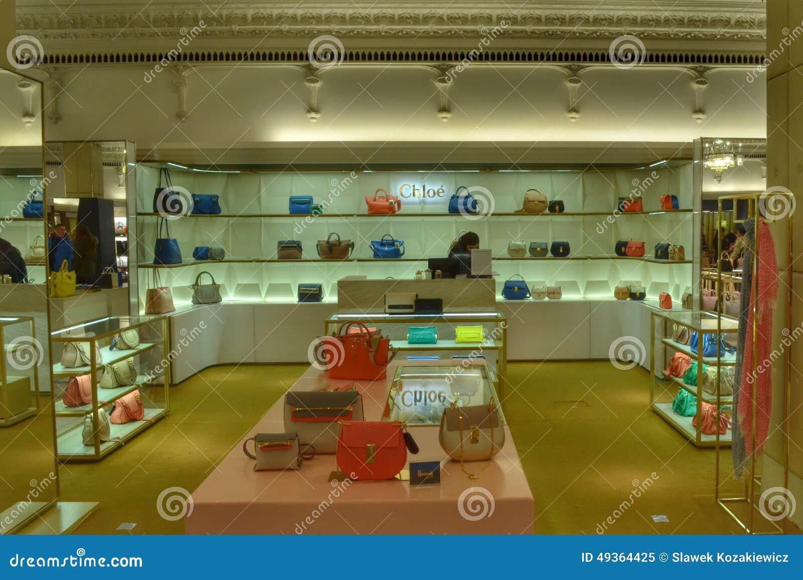 Int rieur de luxe harrods de boutique de sacs image ditorial image 49364425 - Magasin de luxe londres ...